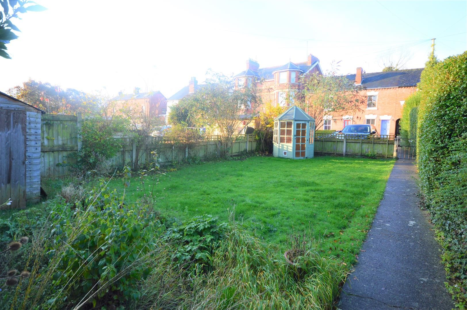 3 bed end-of-terrace for sale in Leominster 10