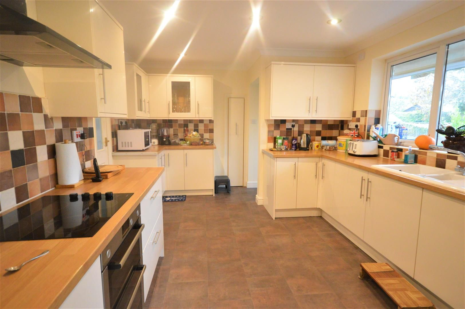 4 bed detached-bungalow for sale in Bodenham  - Property Image 3