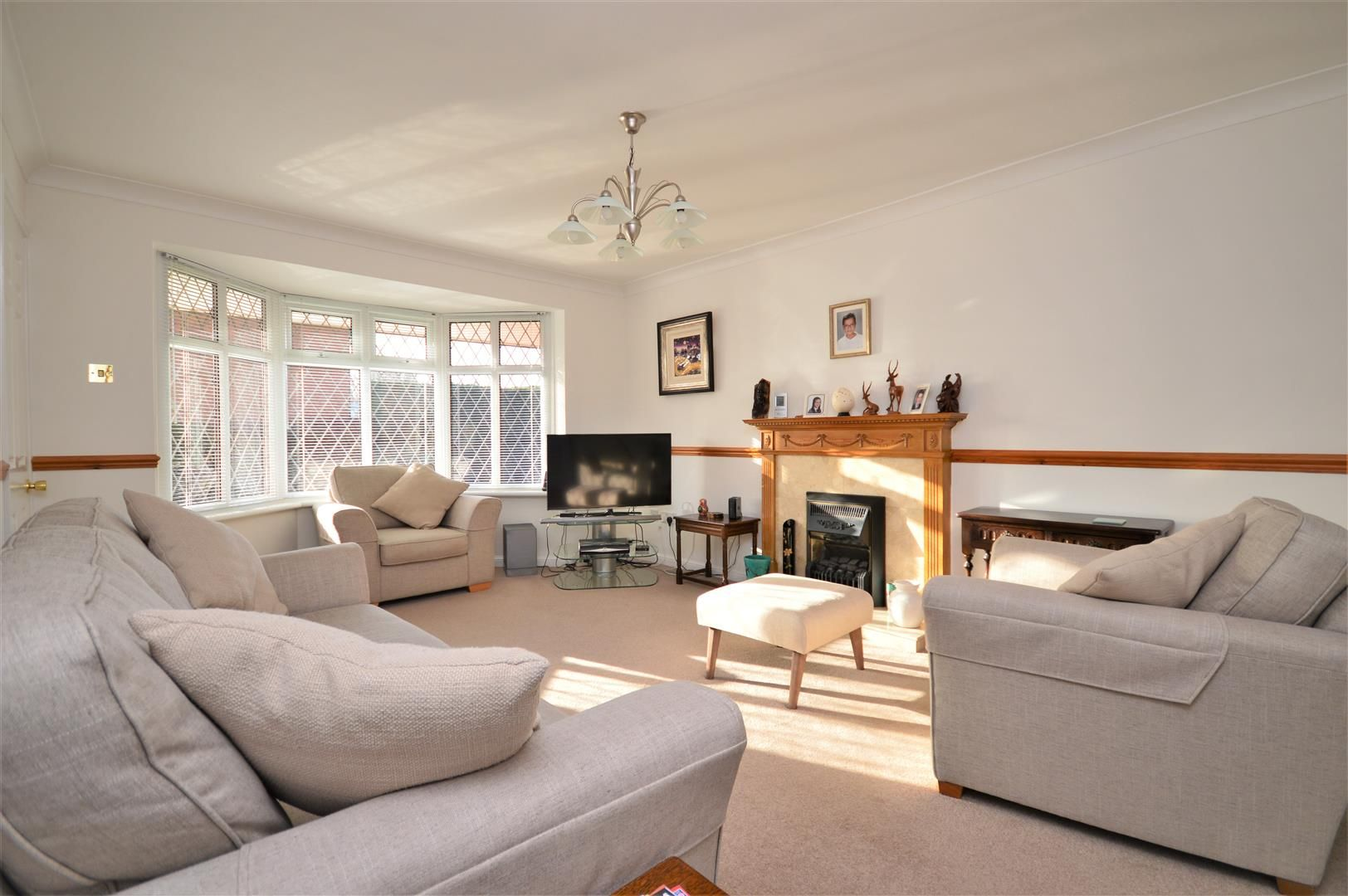 4 bed detached for sale in Hereford 2