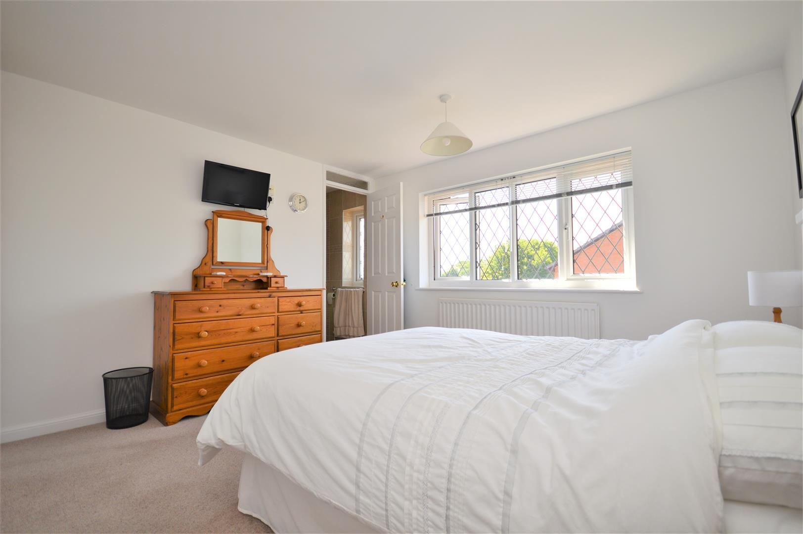 4 bed detached for sale in Hereford 11