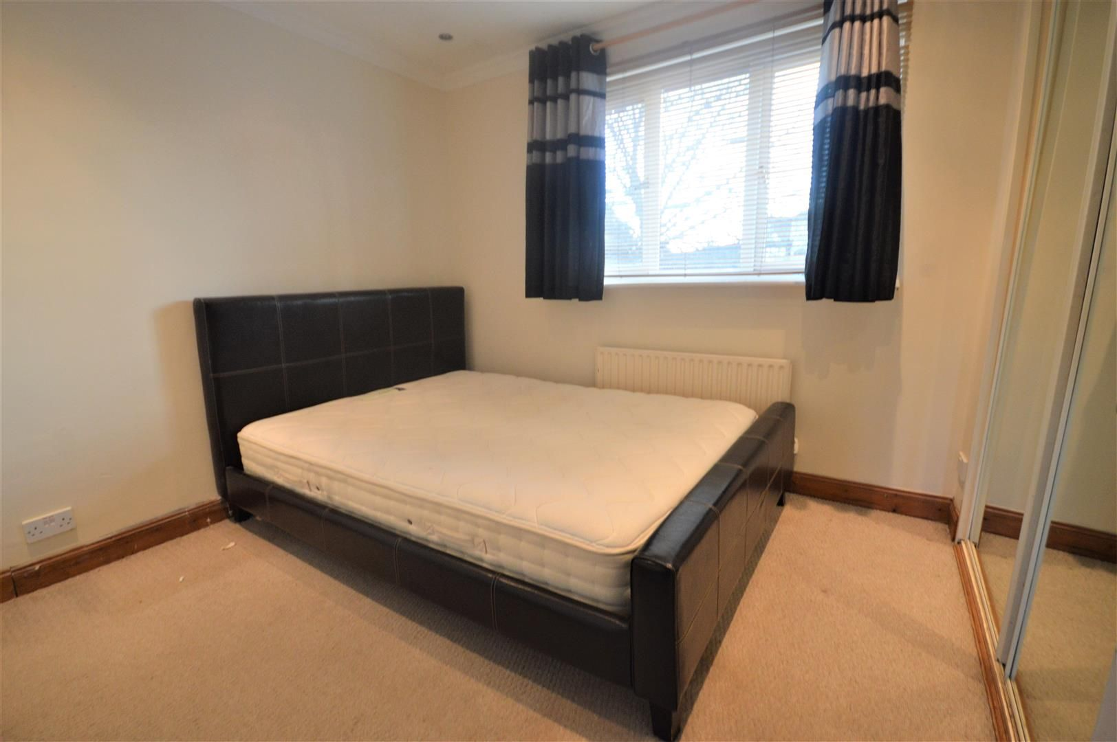 2 bed terraced for sale in Leominster 5
