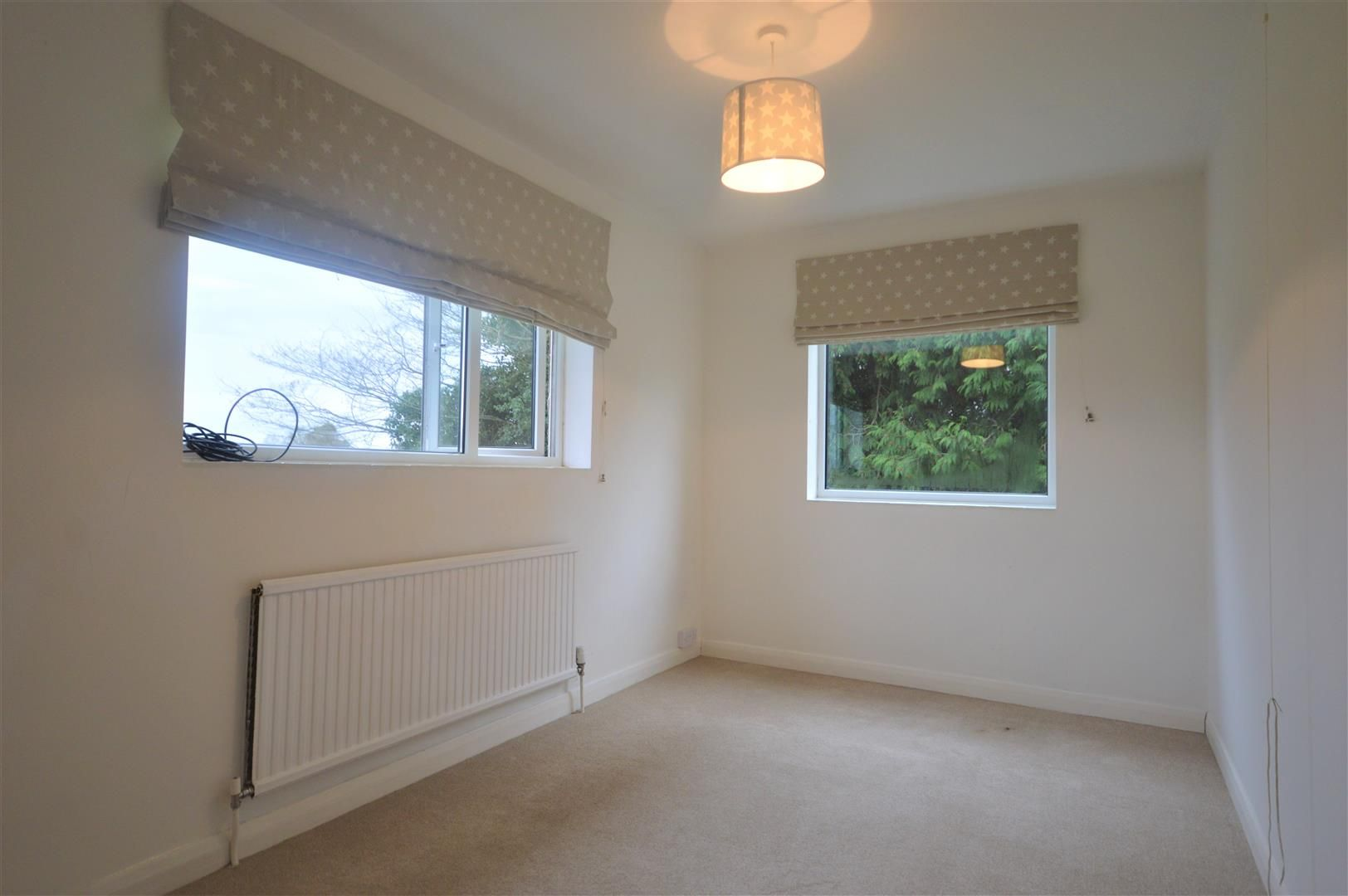 4 bed detached to rent in Kingsland 13