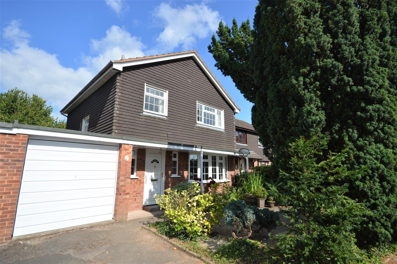 3 bed link-detached-house for sale in Weobley, HR4