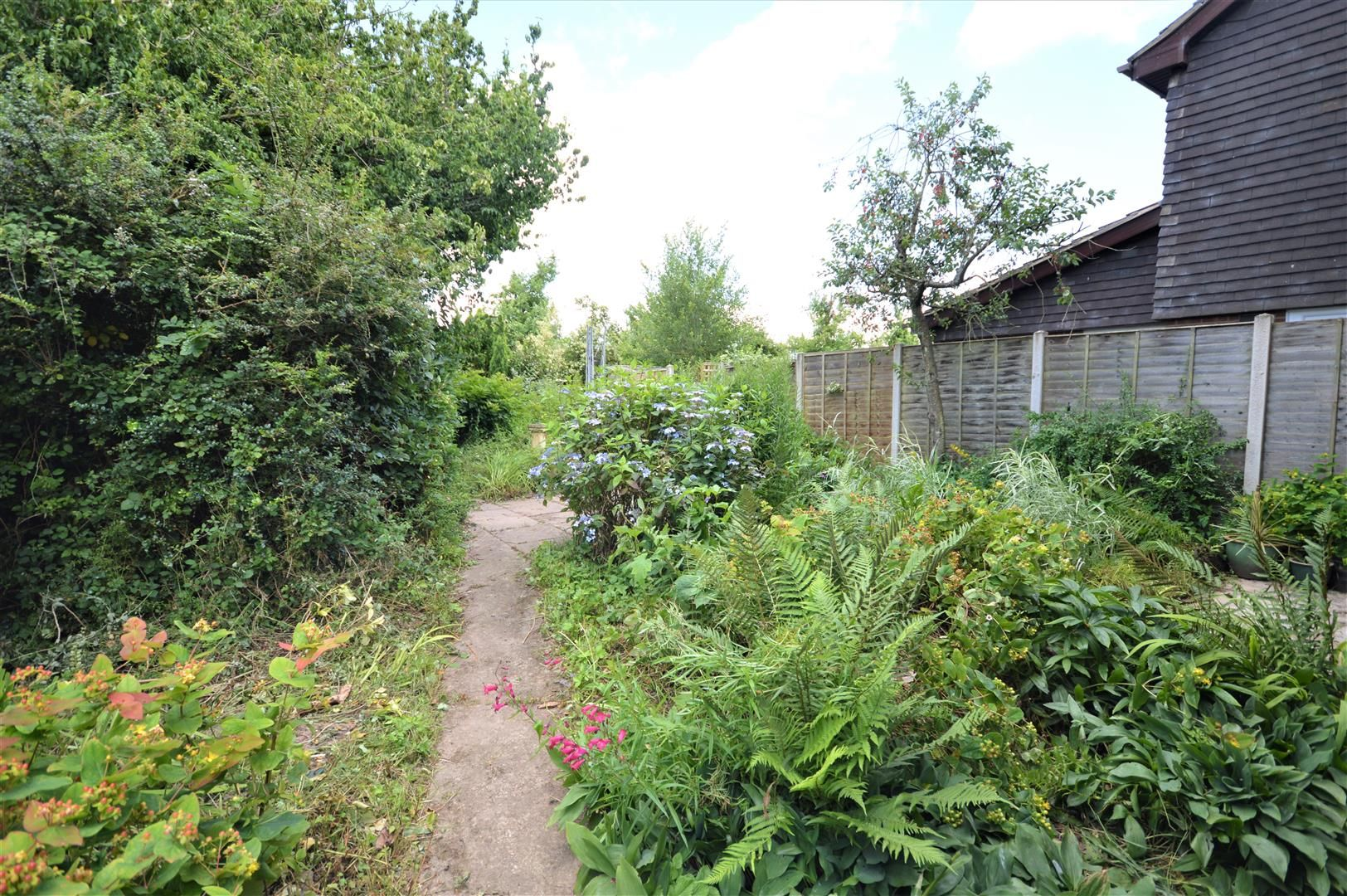 3 bed link detached house for sale in Weobley 10