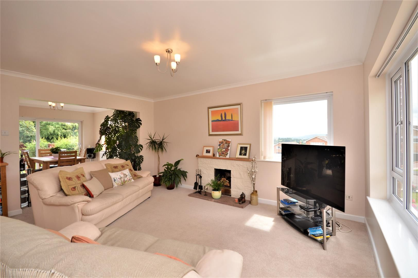 3 bed detached for sale in Kings Caple 4
