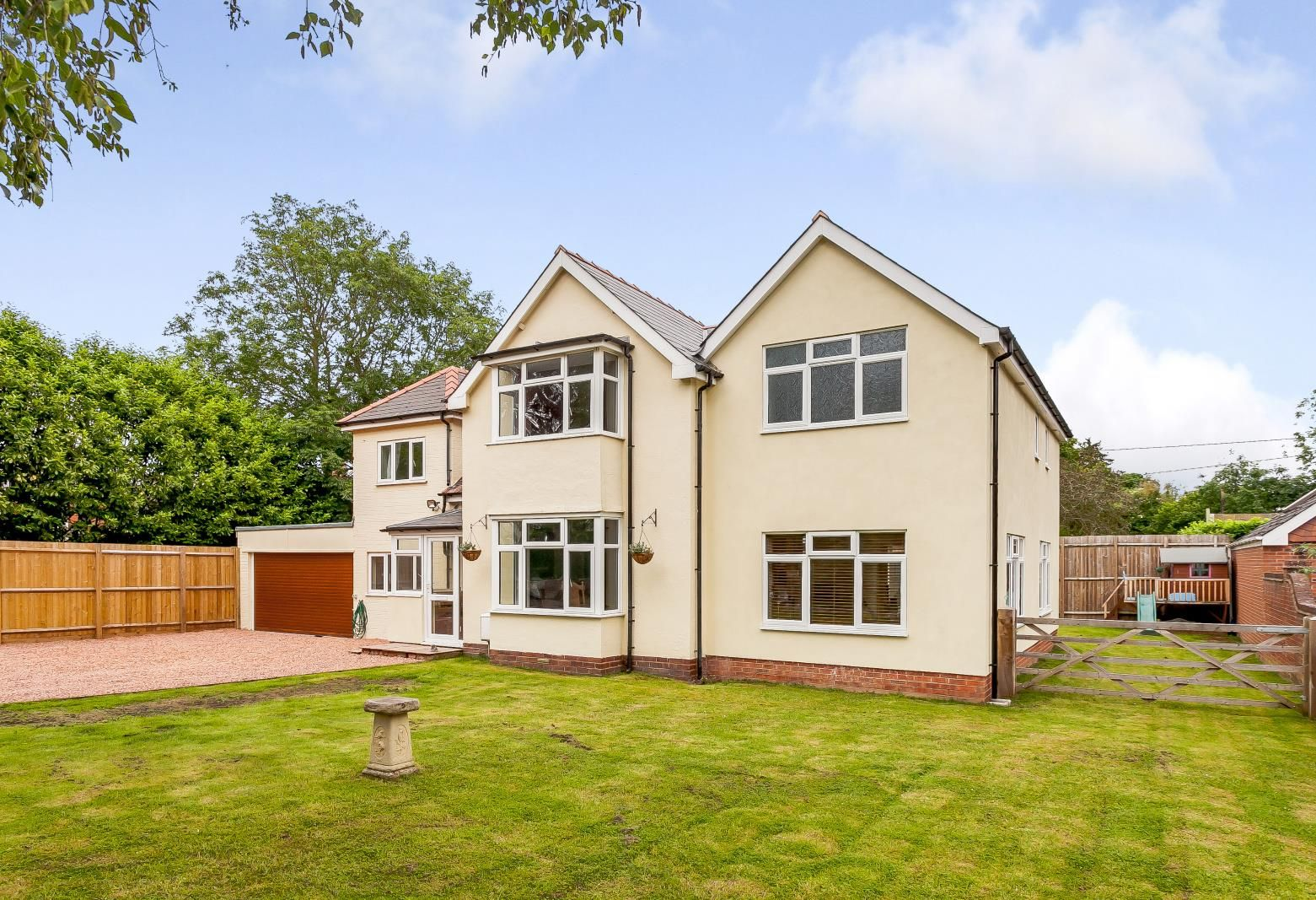 4 bed detached for sale in Kings Acre, HR4