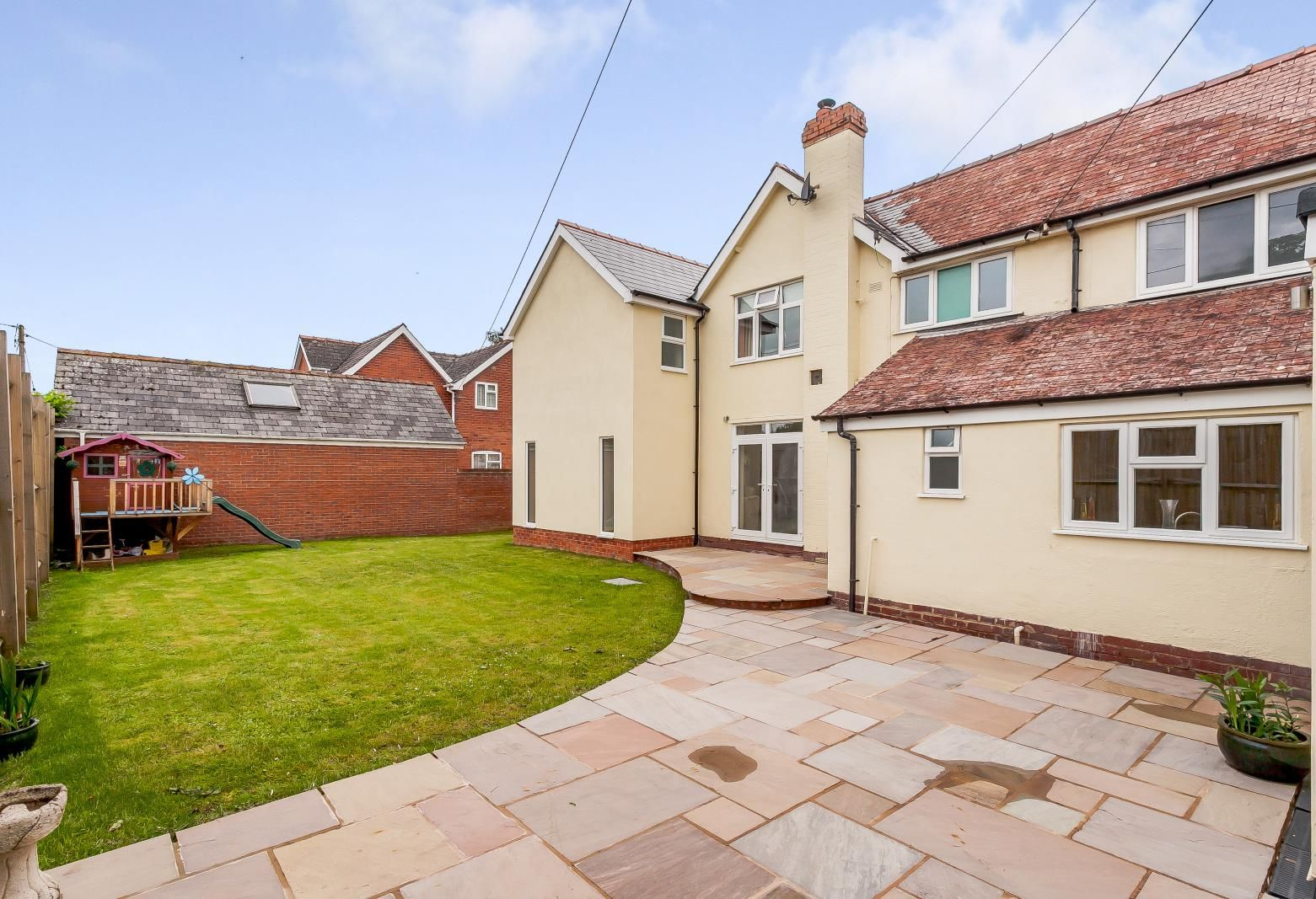 4 bed detached for sale in Kings Acre 22