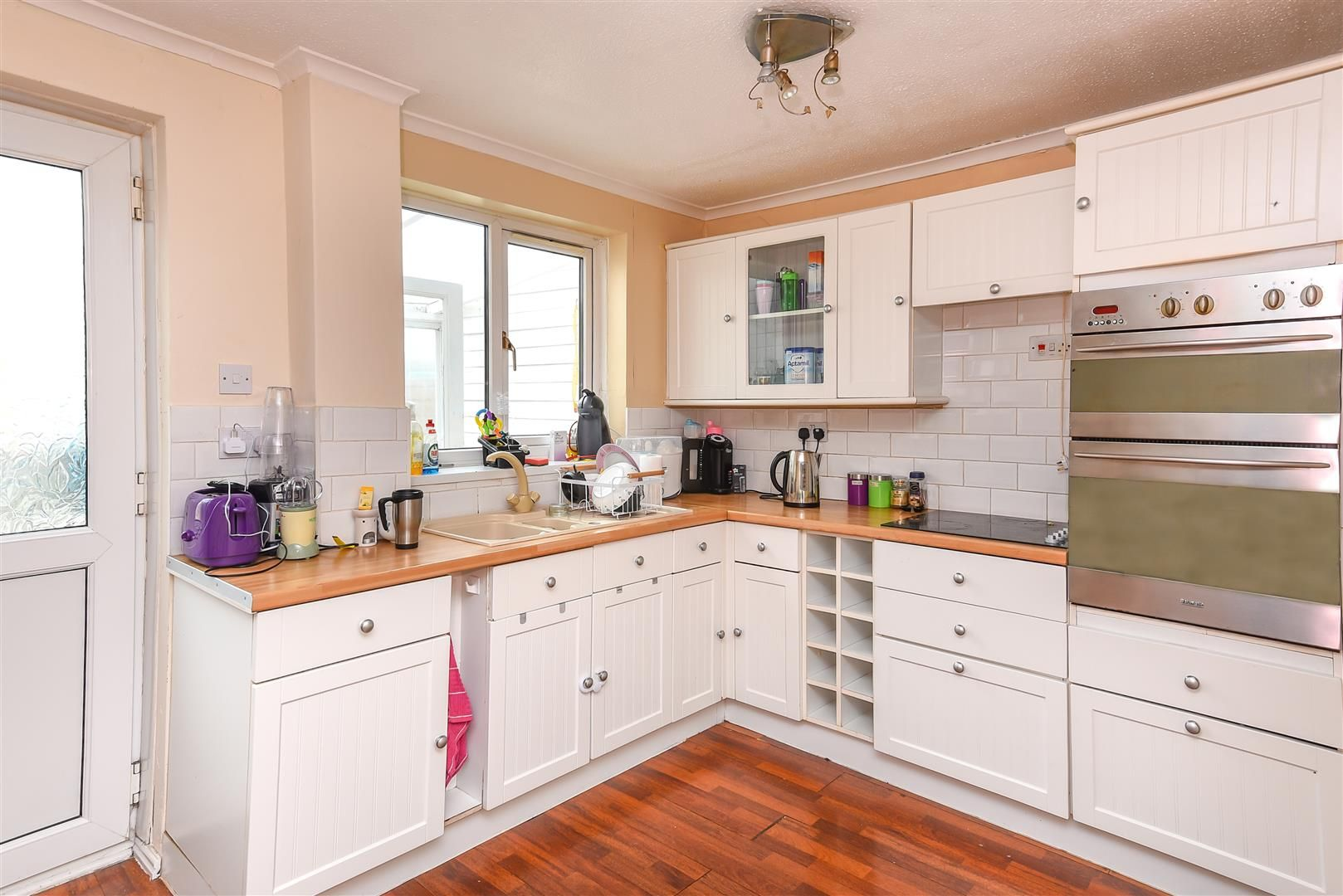 3 bed terraced for sale in Hereford 2