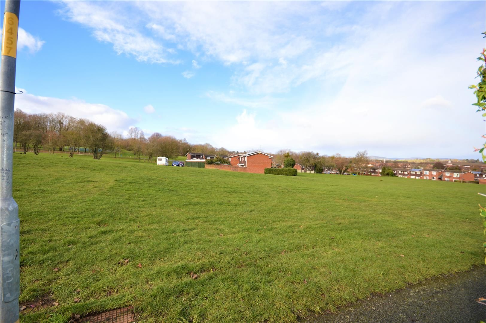 3 bed terraced for sale in Hereford 6
