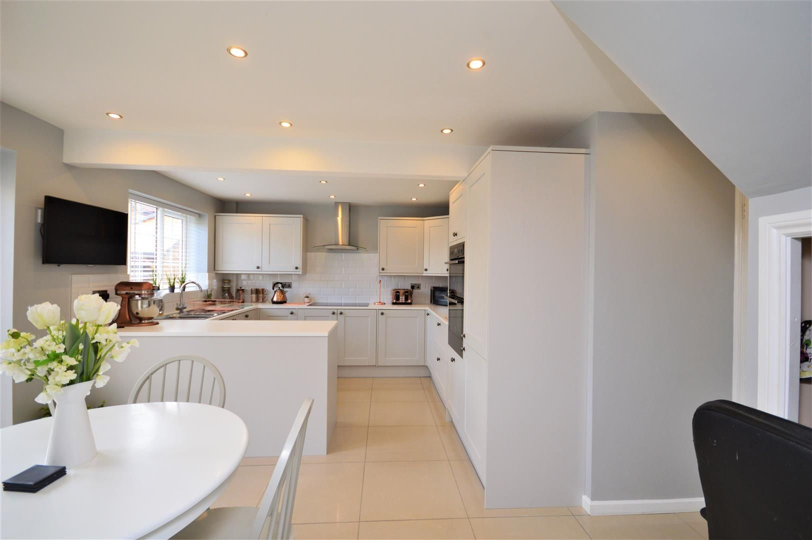 3 bed detached for sale in Belmont 2