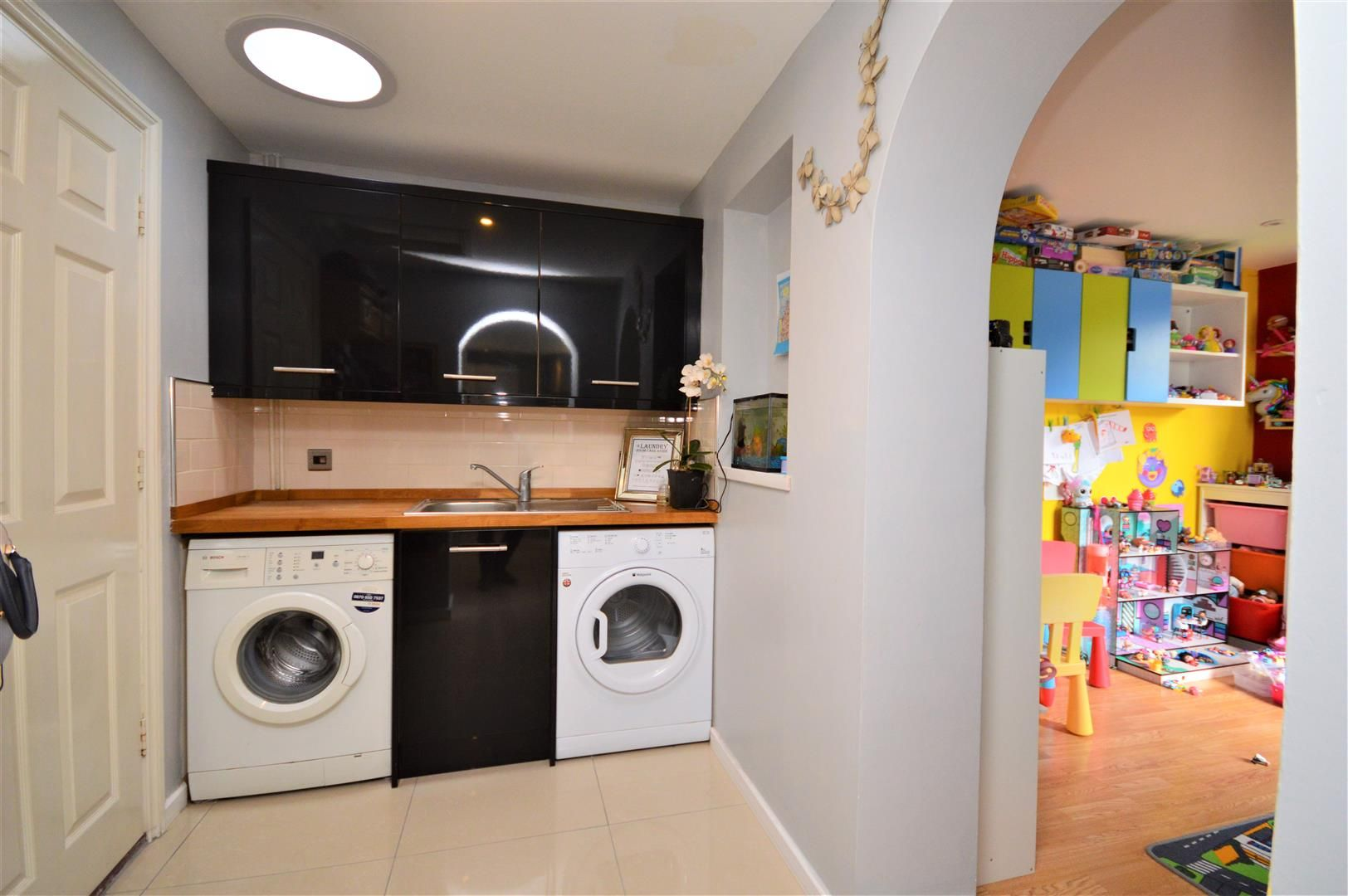 3 bed detached for sale in Belmont 14