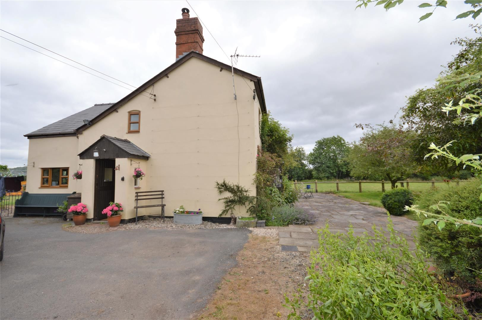 3 bed detached to rent in Preston-On-Wye 14