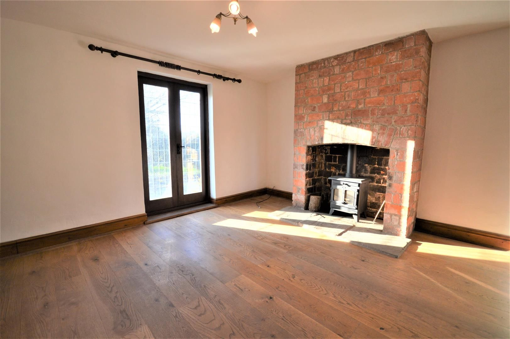 3 bed detached to rent in Preston-On-Wye 4
