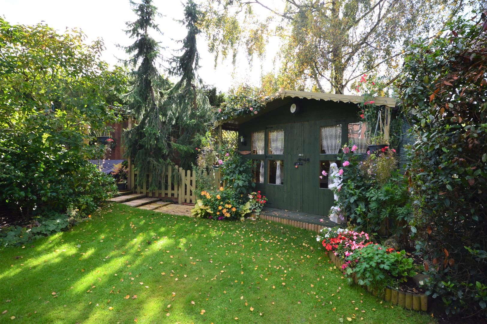 4 bed detached for sale in Luston 15