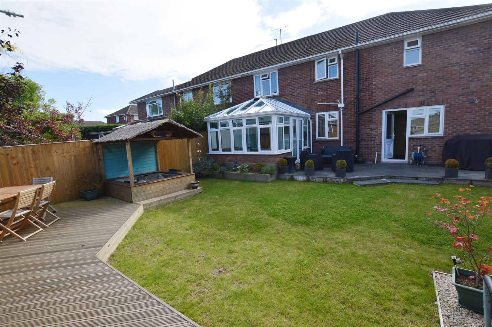 4 bed semi-detached for sale in Hereford 11