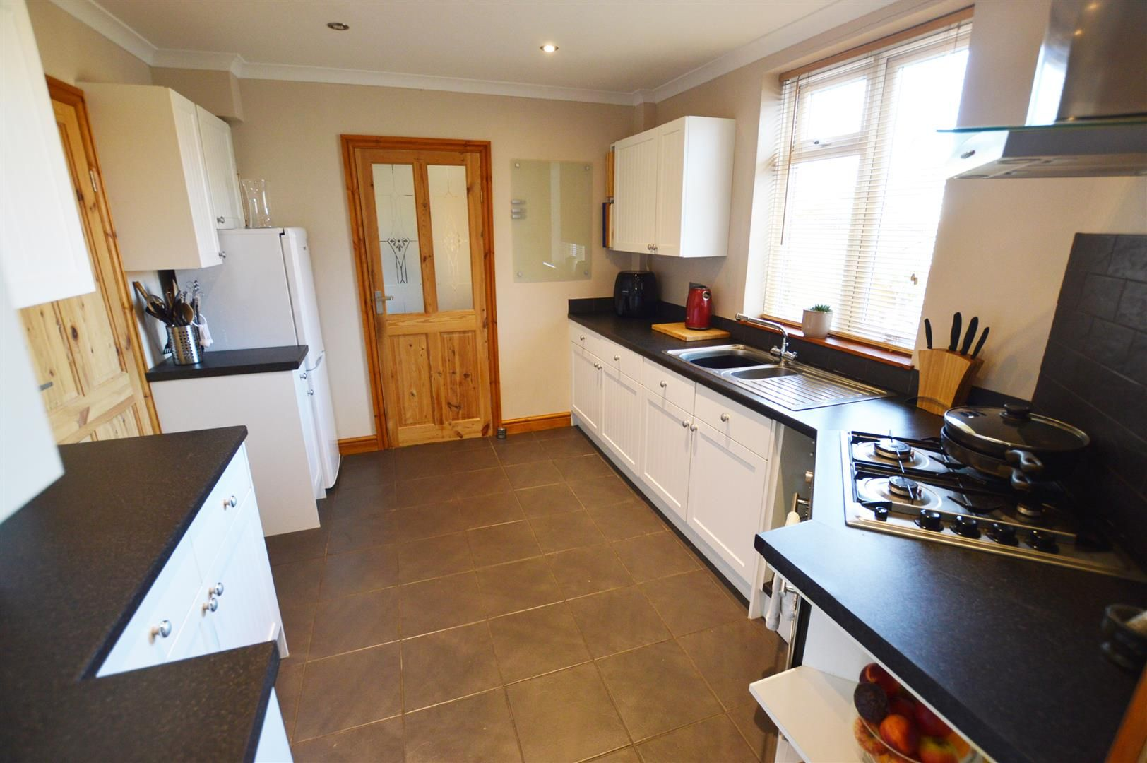 4 bed semi-detached for sale in Hereford 3