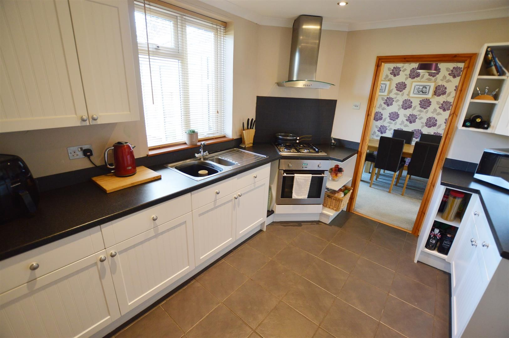 4 bed semi-detached for sale in Hereford 4