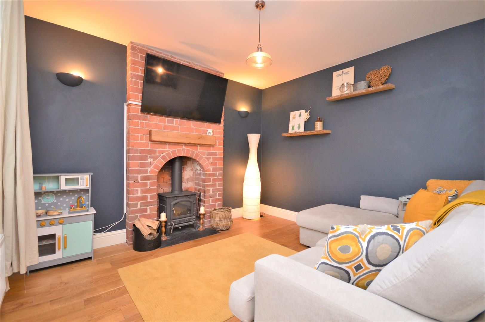 3 bed detached for sale  - Property Image 6
