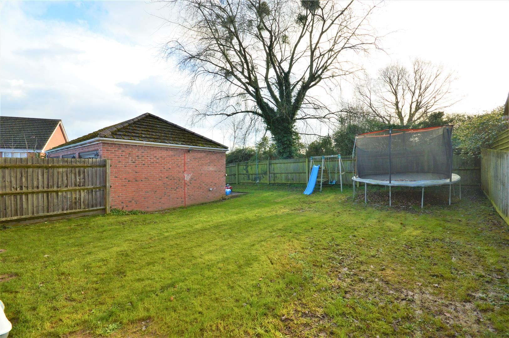 3 bed detached for sale in Hereford 1