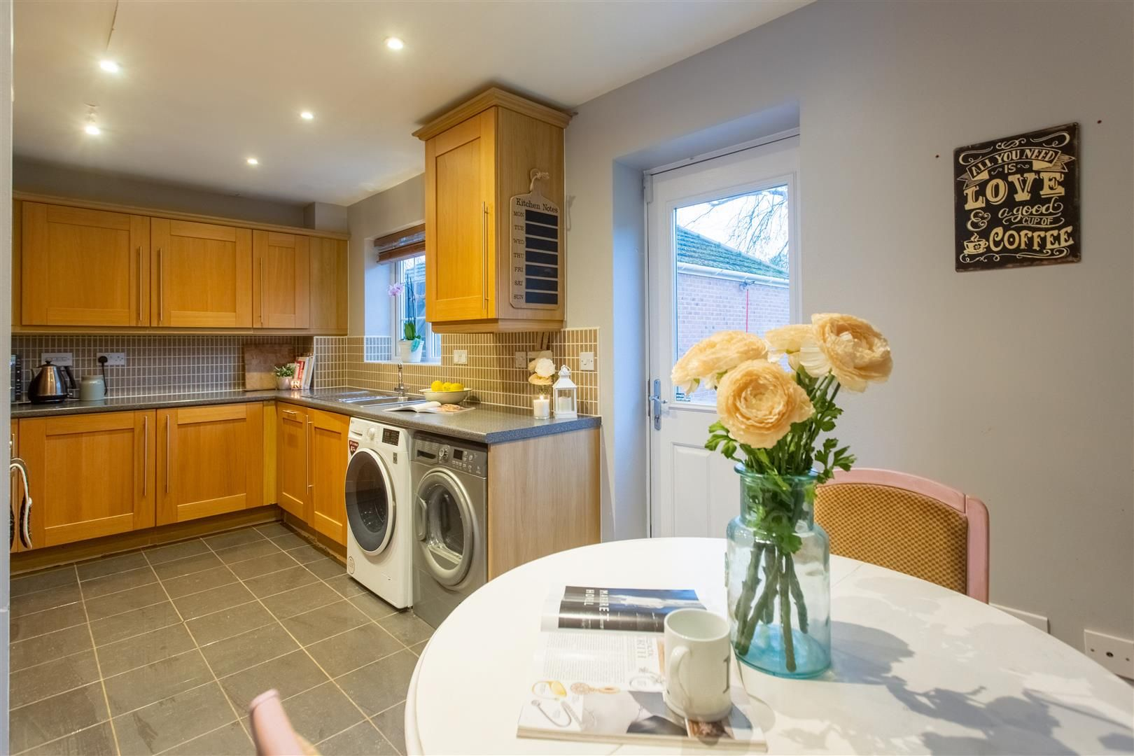 3 bed detached for sale in Hereford 2