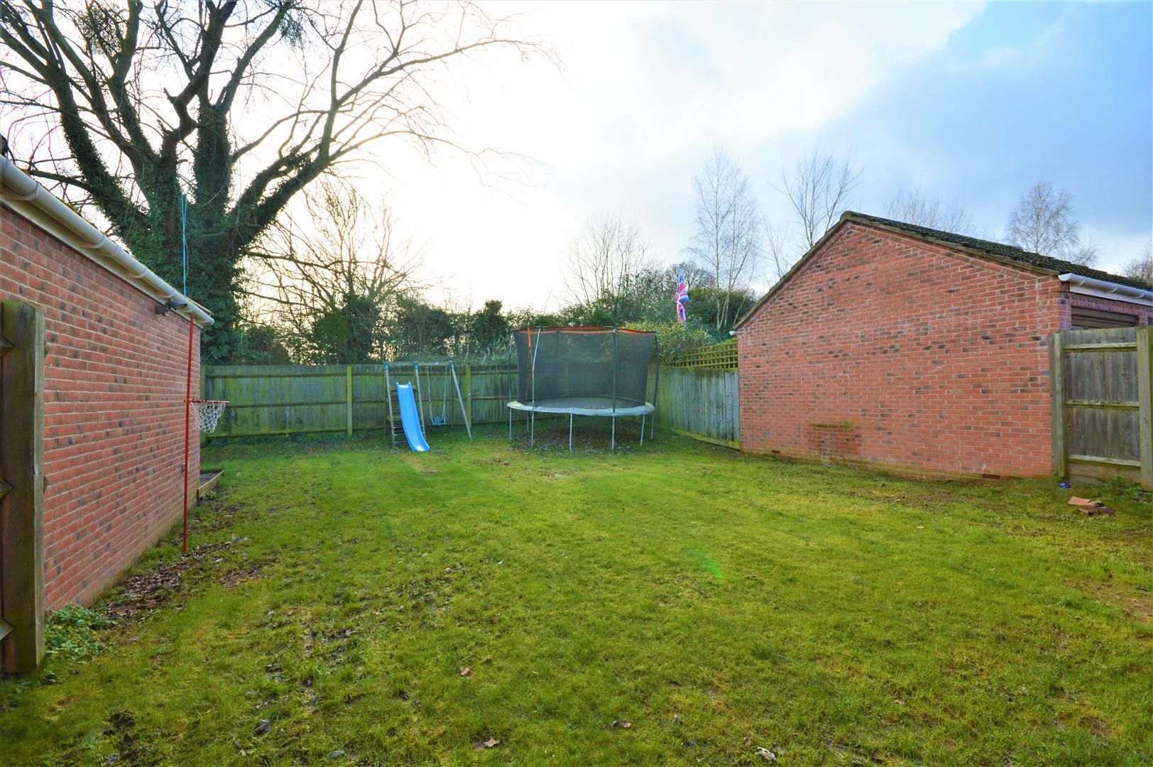 3 bed detached for sale in Hereford 18