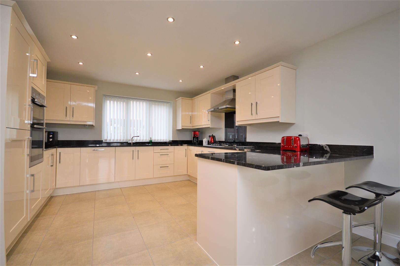 4 bed detached for sale in Wellington 9