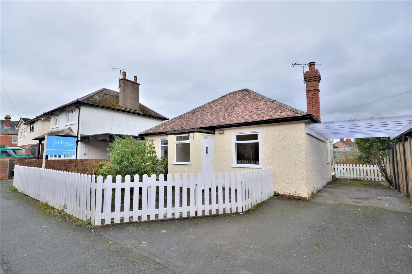 3 bed detached-bungalow for sale in Hereford  - Property Image 12