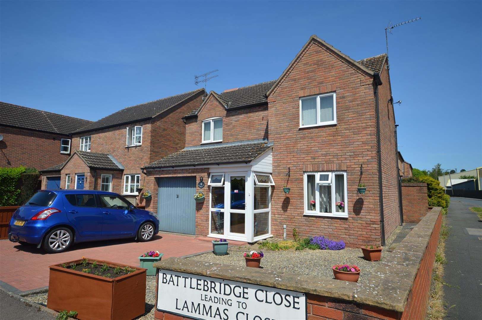 3 bed detached for sale in Leominster 1
