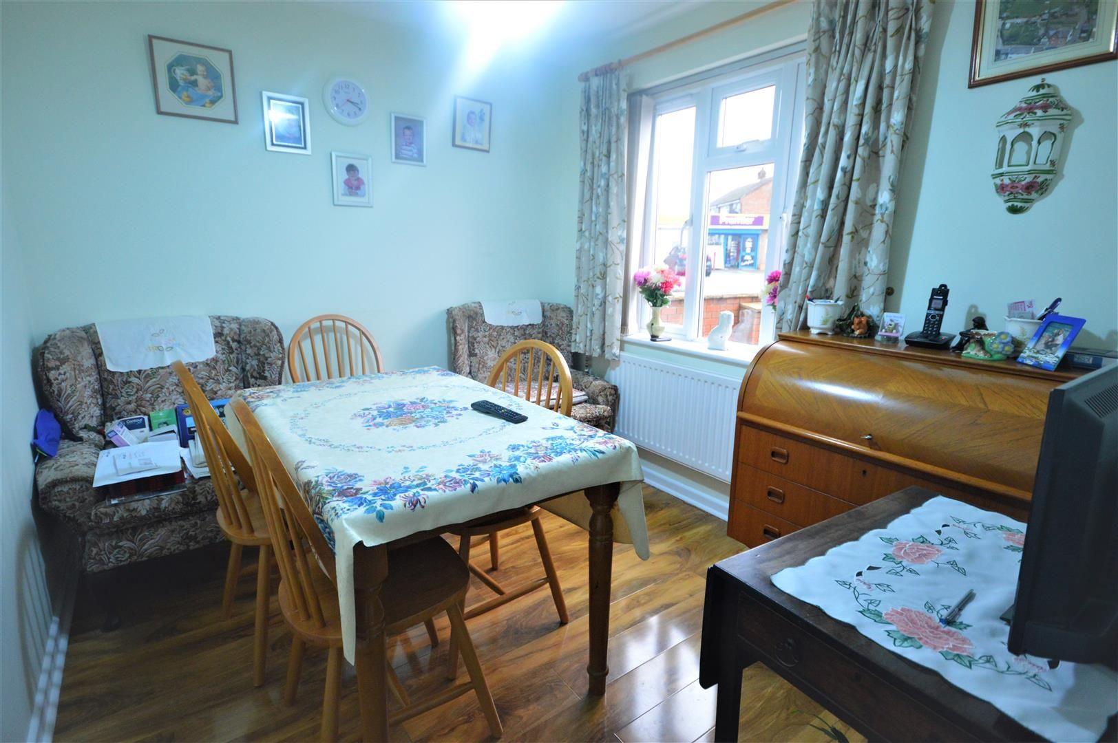 3 bed detached for sale in Leominster 4