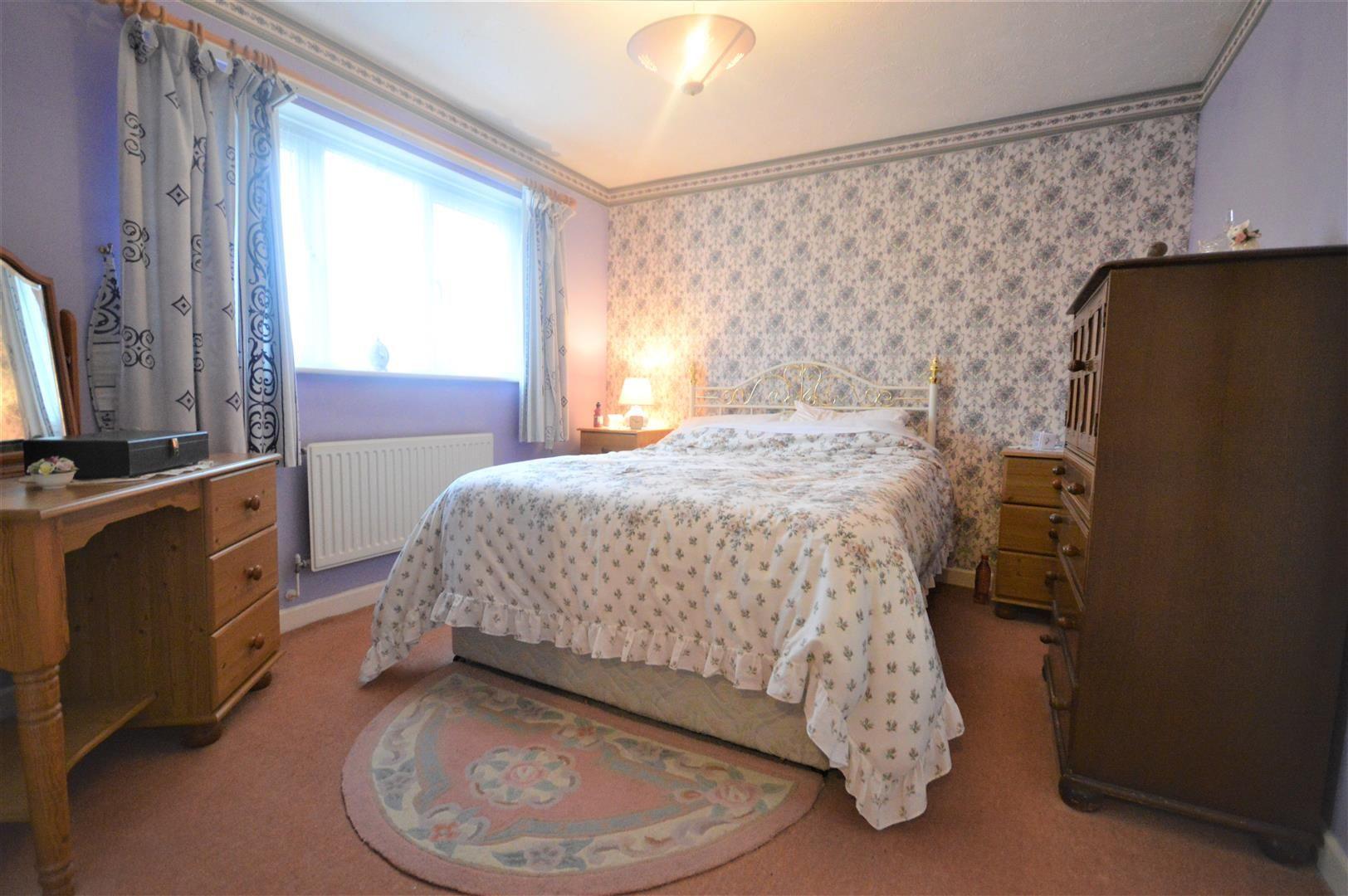 3 bed detached for sale in Leominster 5