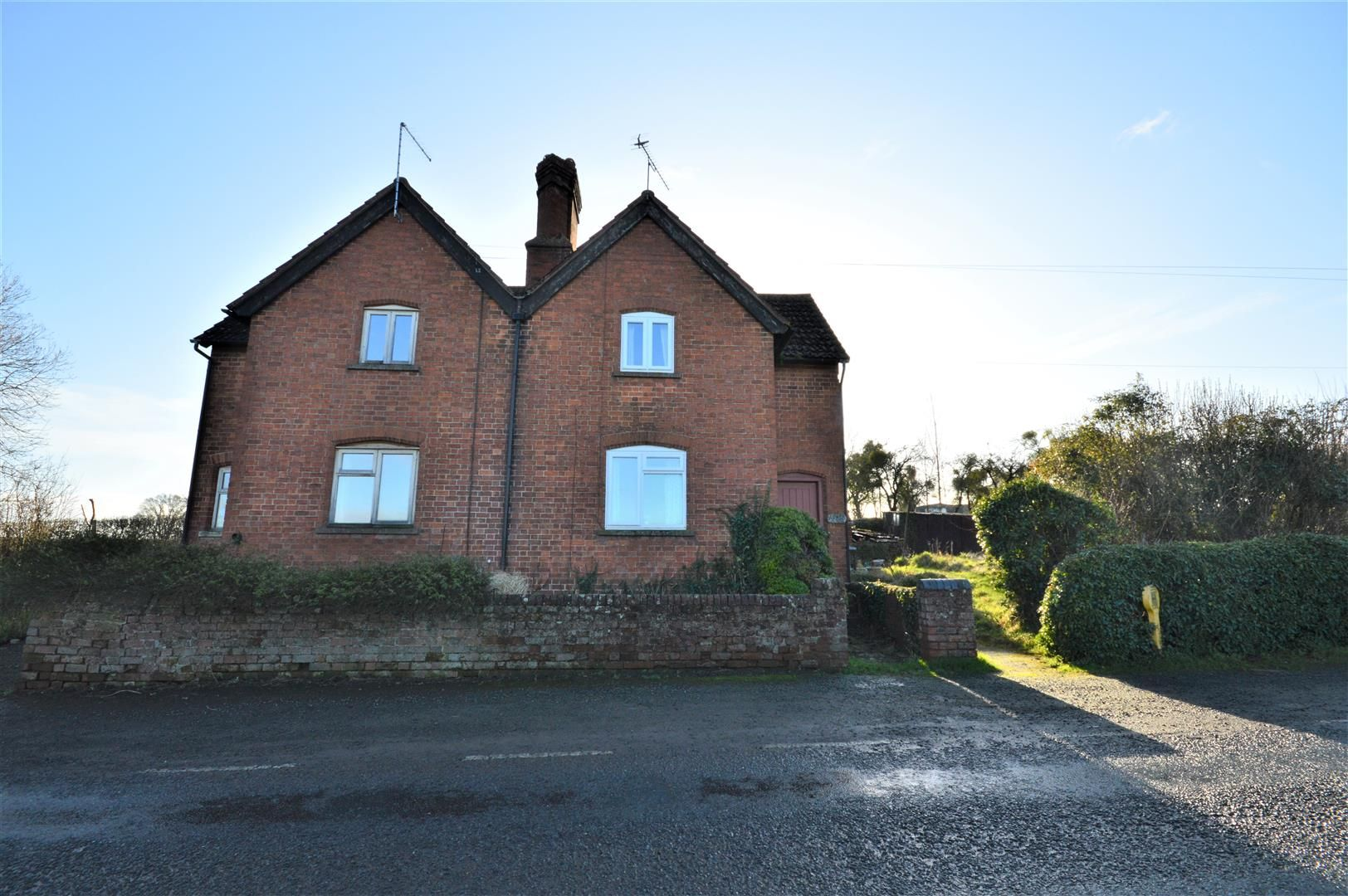 3 bed semi-detached for sale in Burley Gate 3