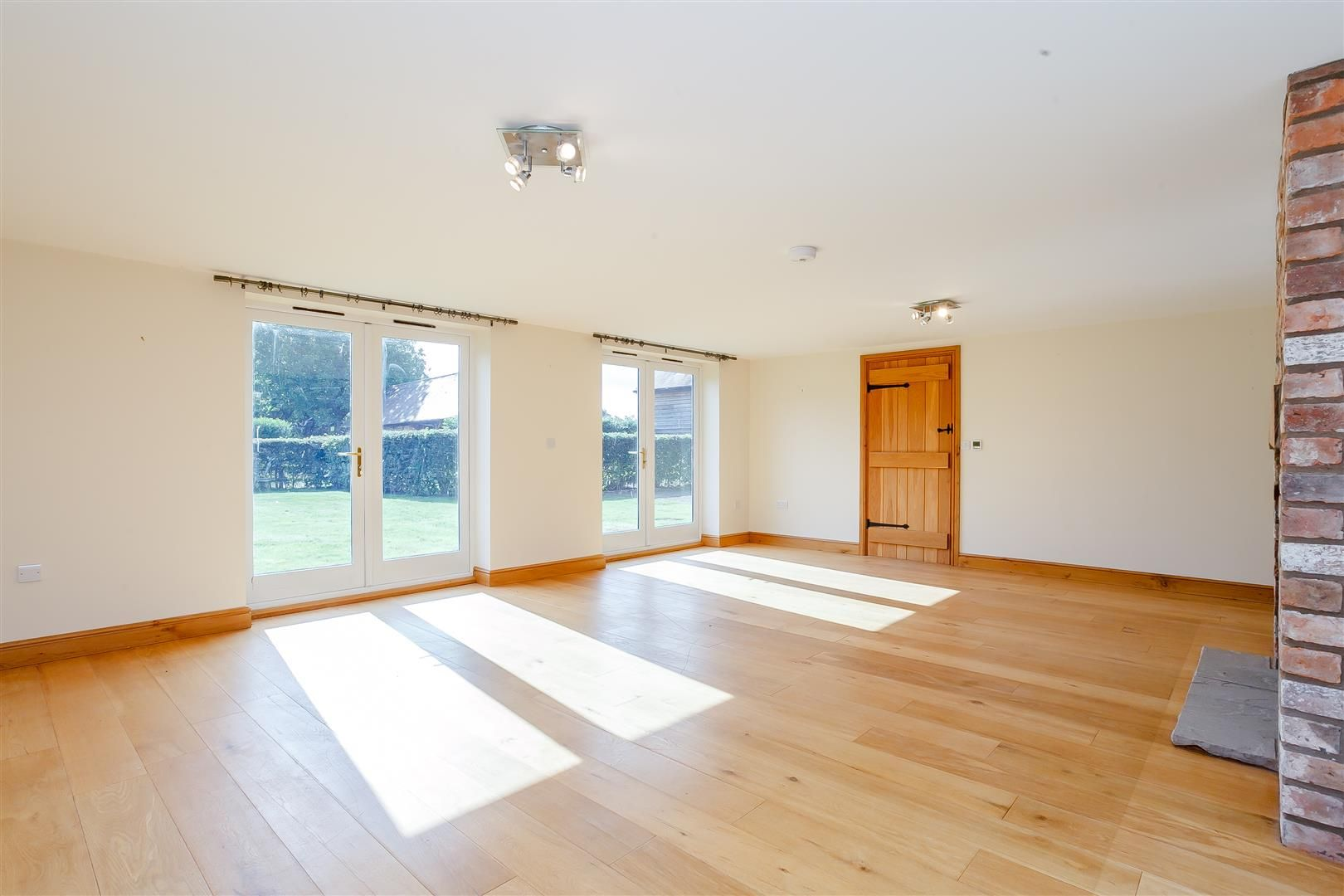4 bed barn-conversion for sale in Pembridge 7