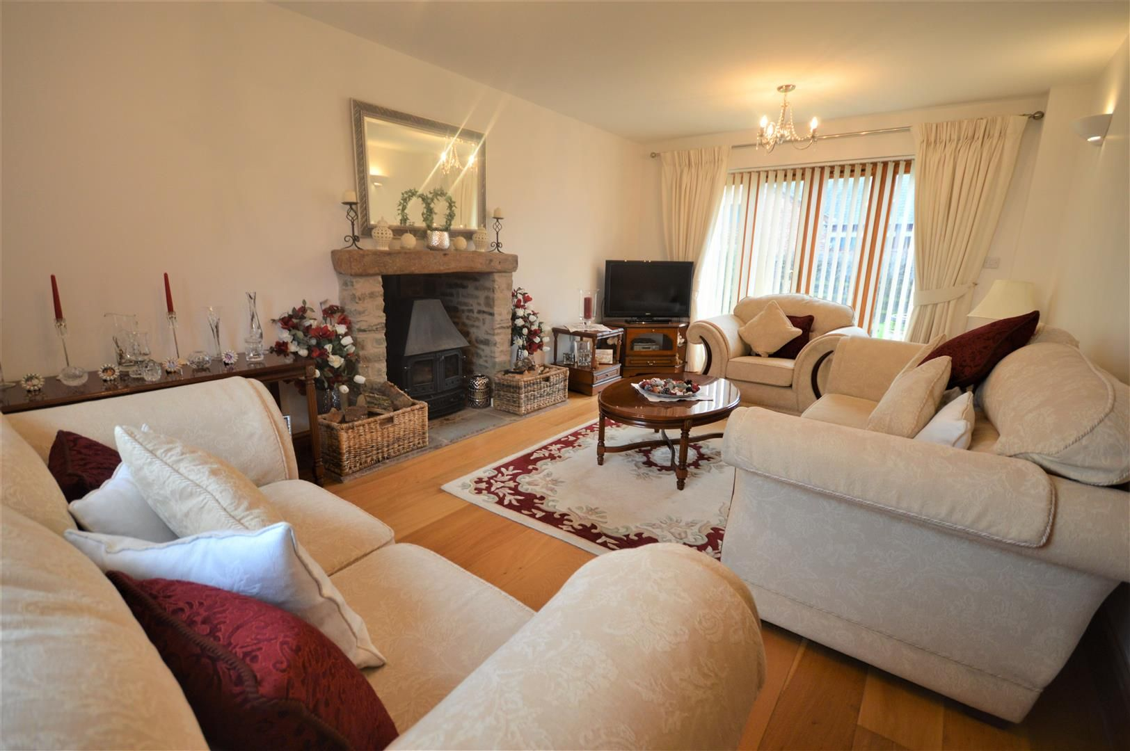 4 bed detached for sale in Eardisley 2