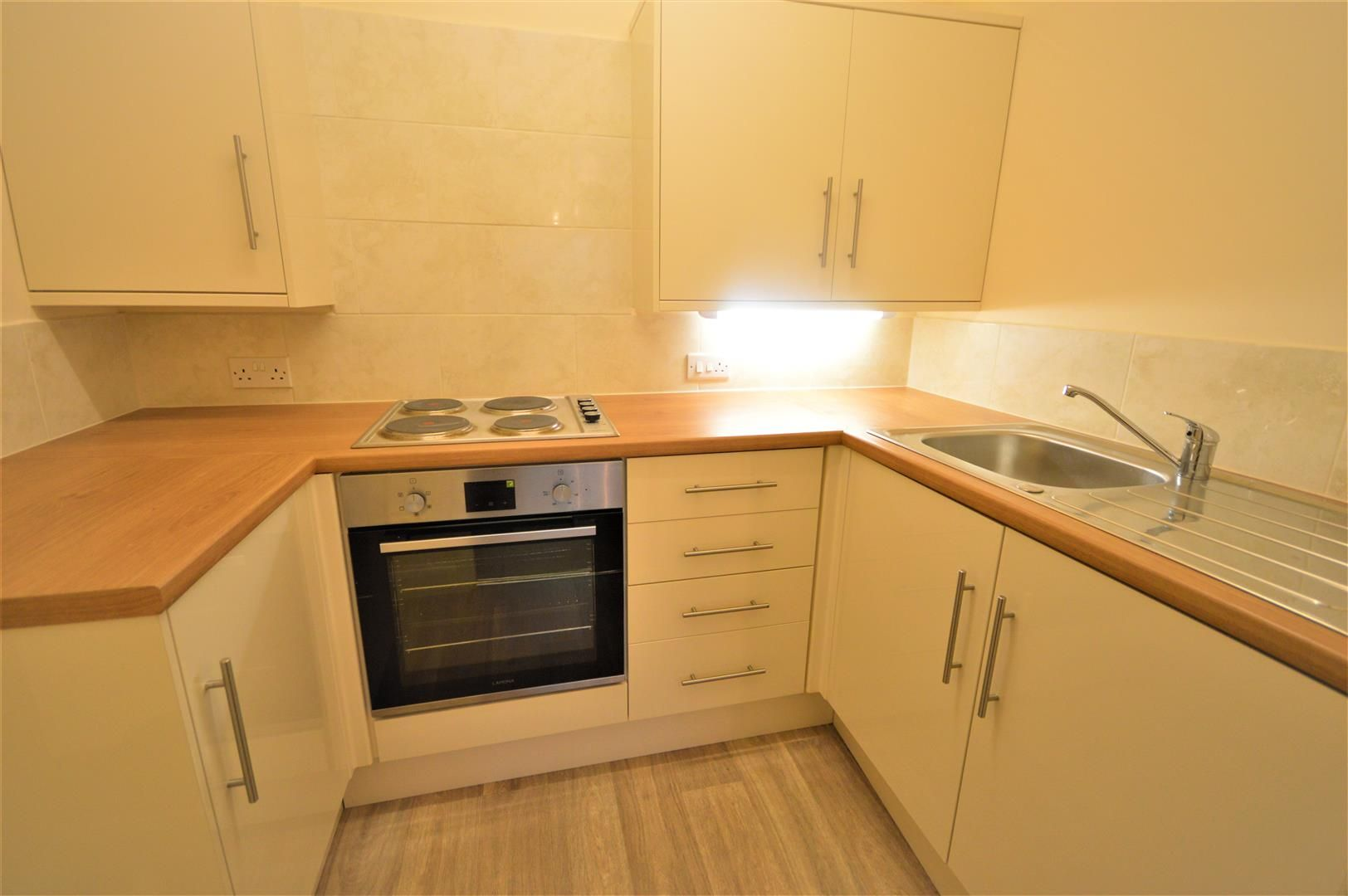 1 bed retirement-property for sale in Leominster 2