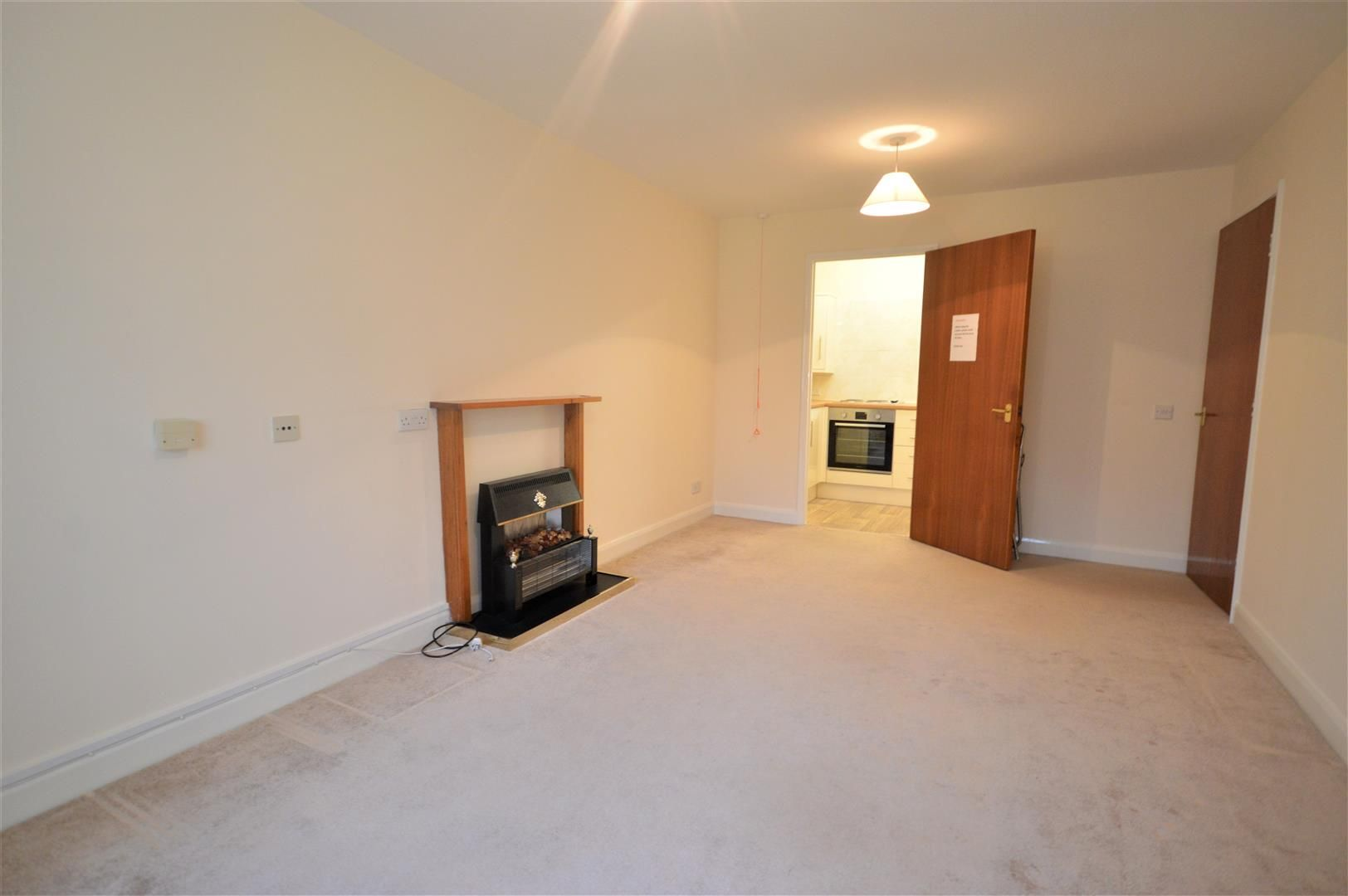 1 bed retirement-property for sale in Leominster 3