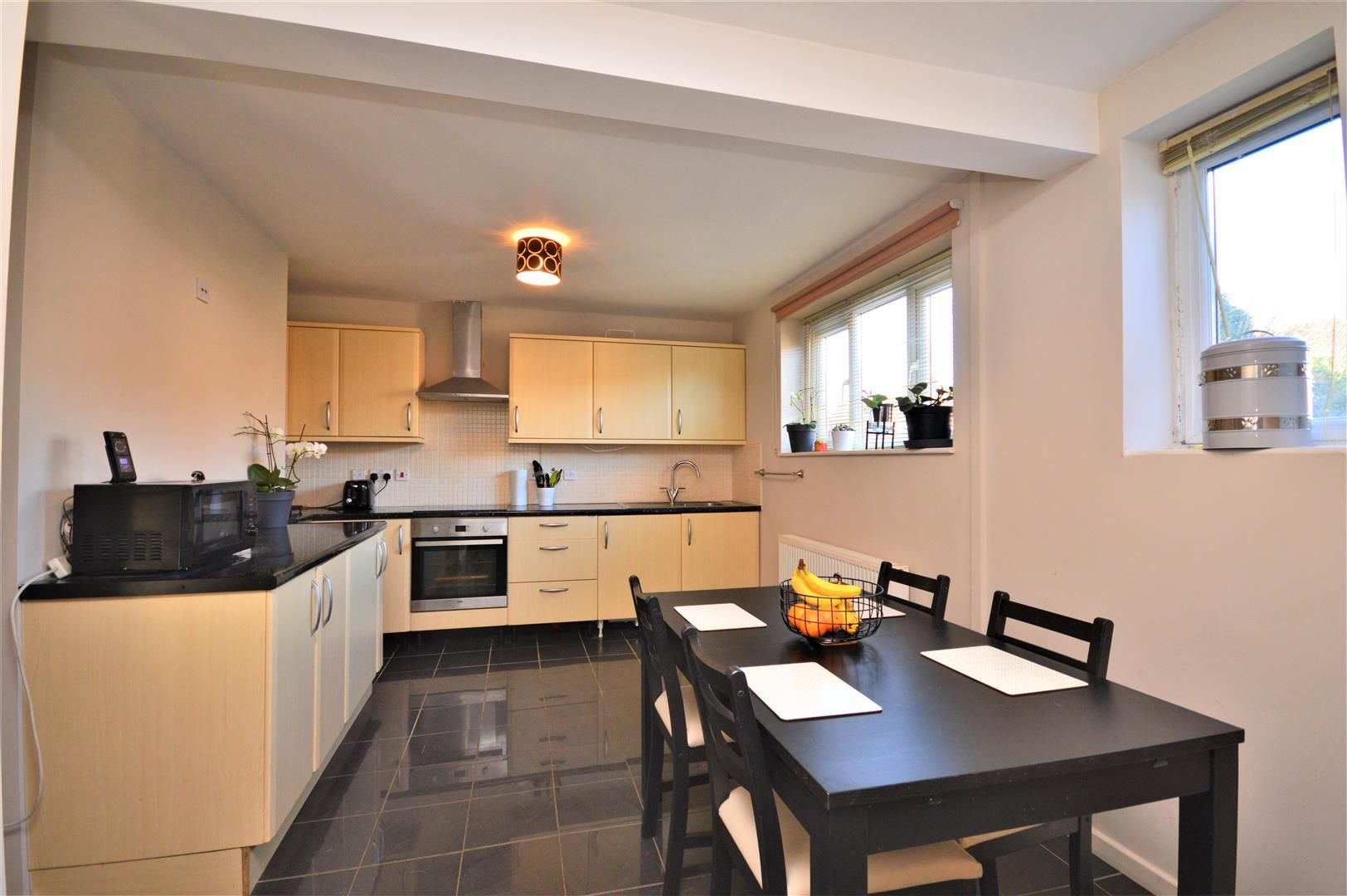 3 bed end-of-terrace for sale in Hereford 5