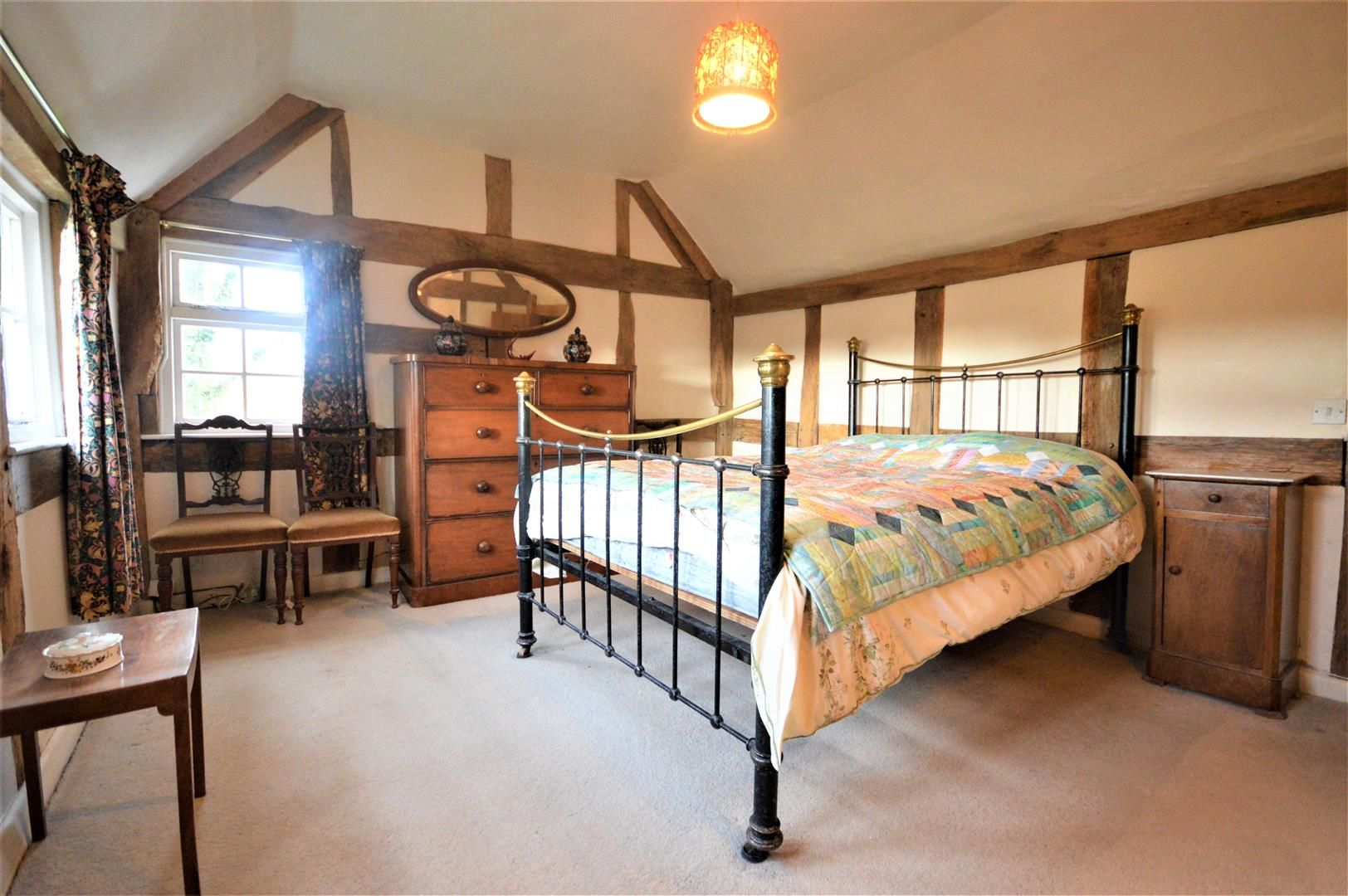 3 bed country house for sale in Kimbolton 9