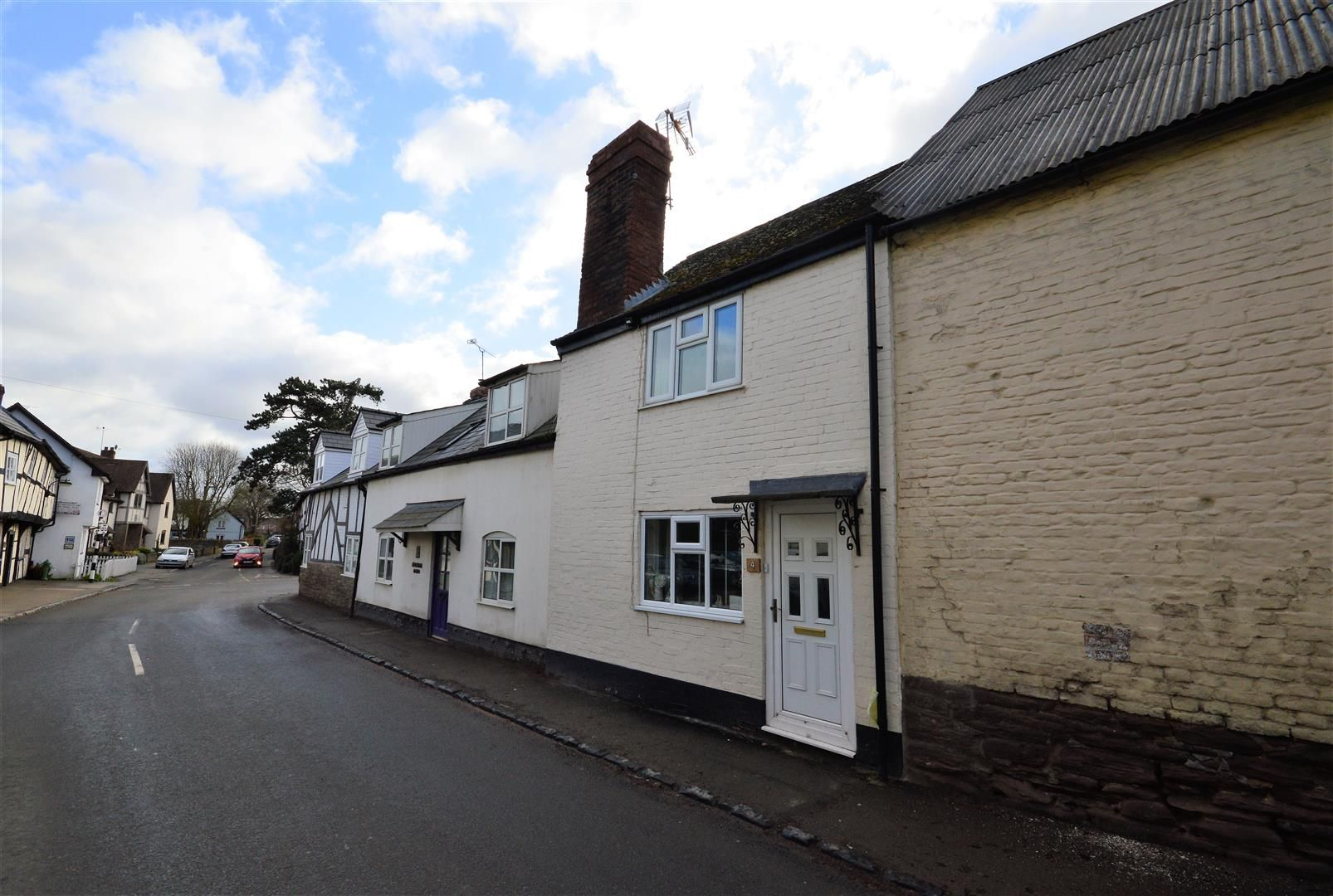 2 bed terraced to rent in Weobley, HR4
