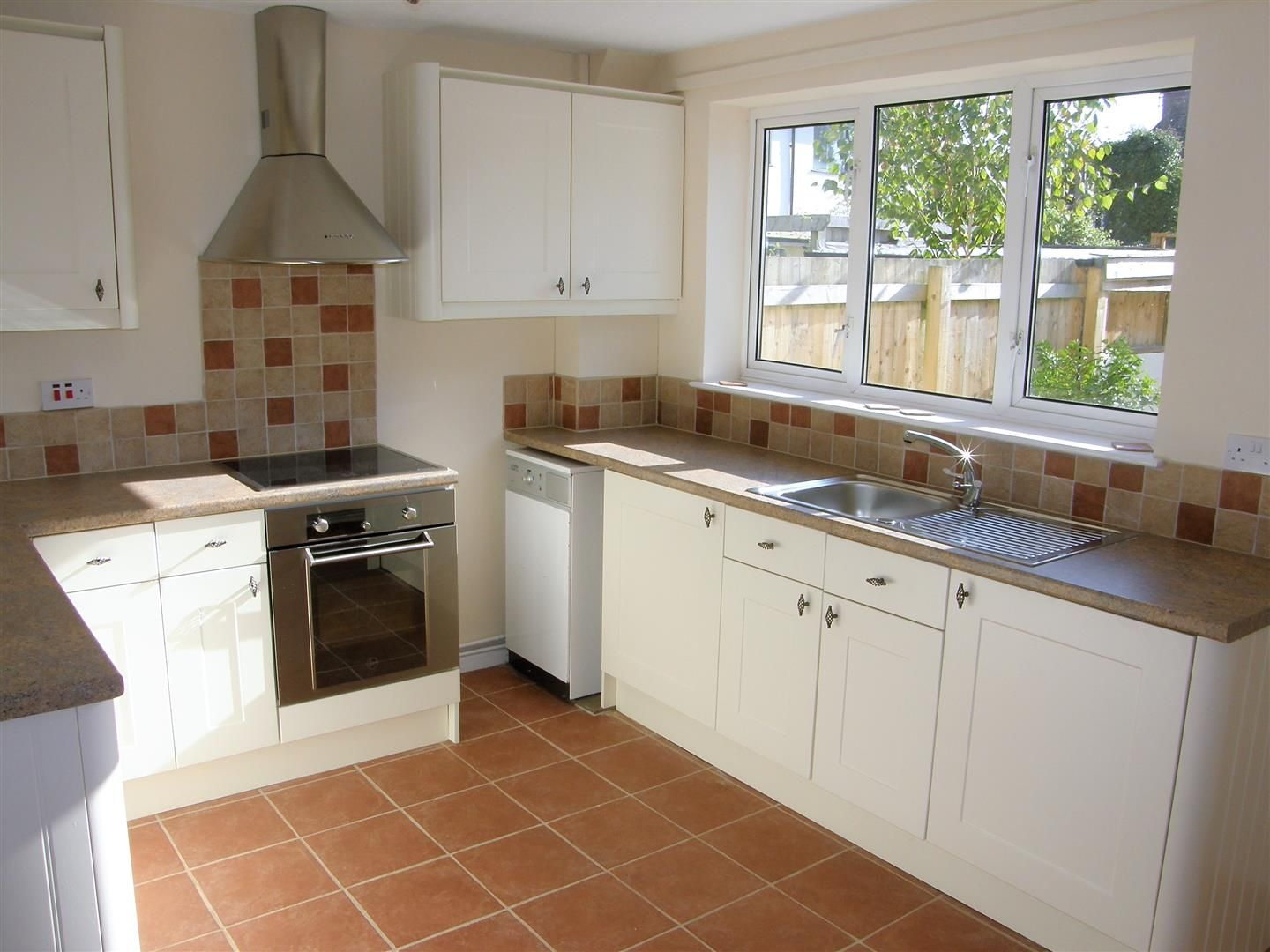 2 bed terraced to rent in Weobley 2