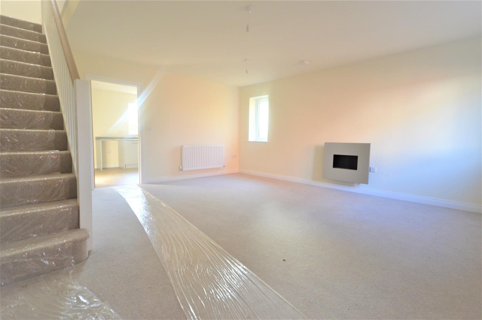 3 bed semi-detached for sale in Kingsland  - Property Image 2