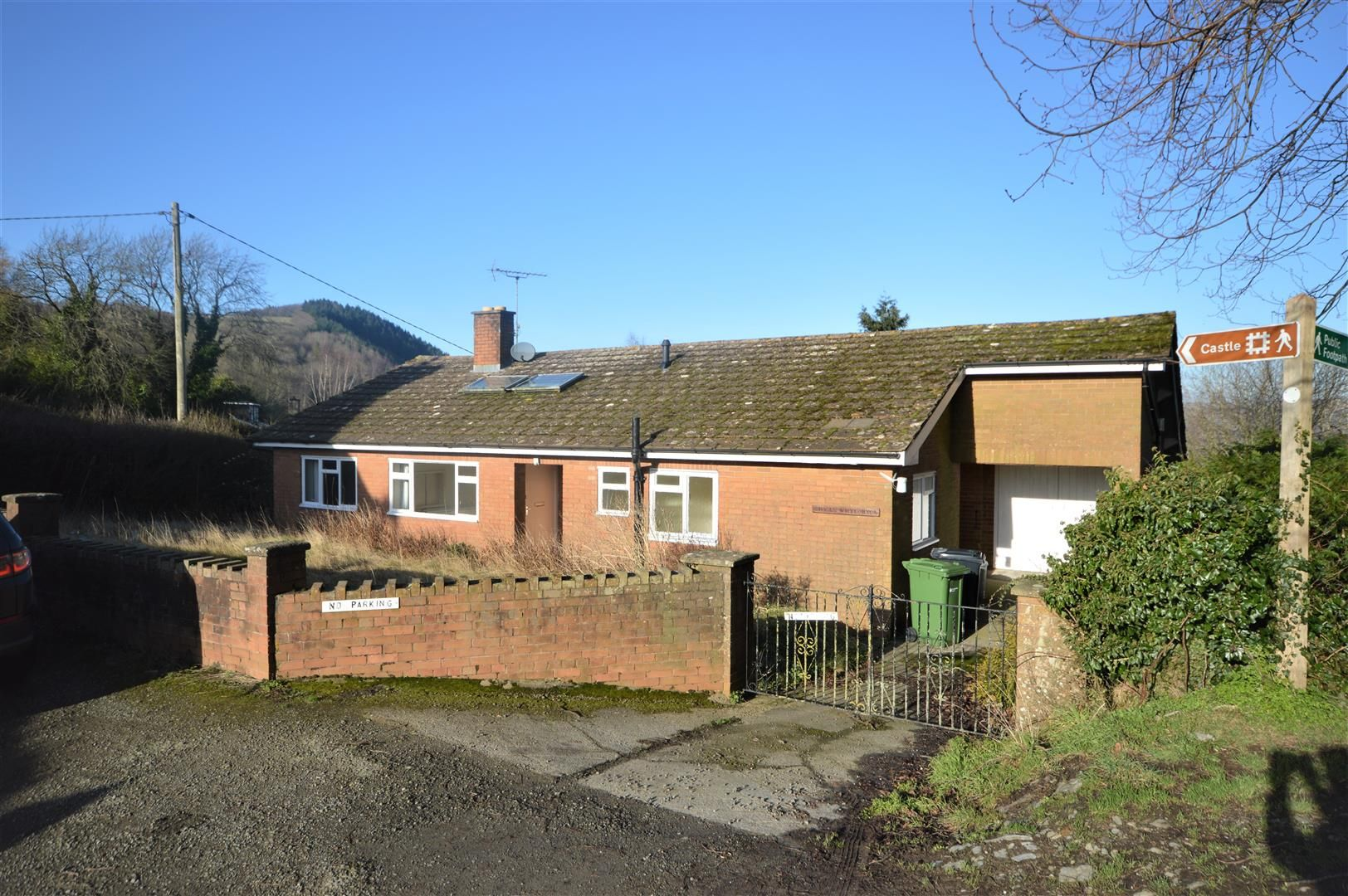 3 bed detached-bungalow for sale in Wigmore - Property Image 1