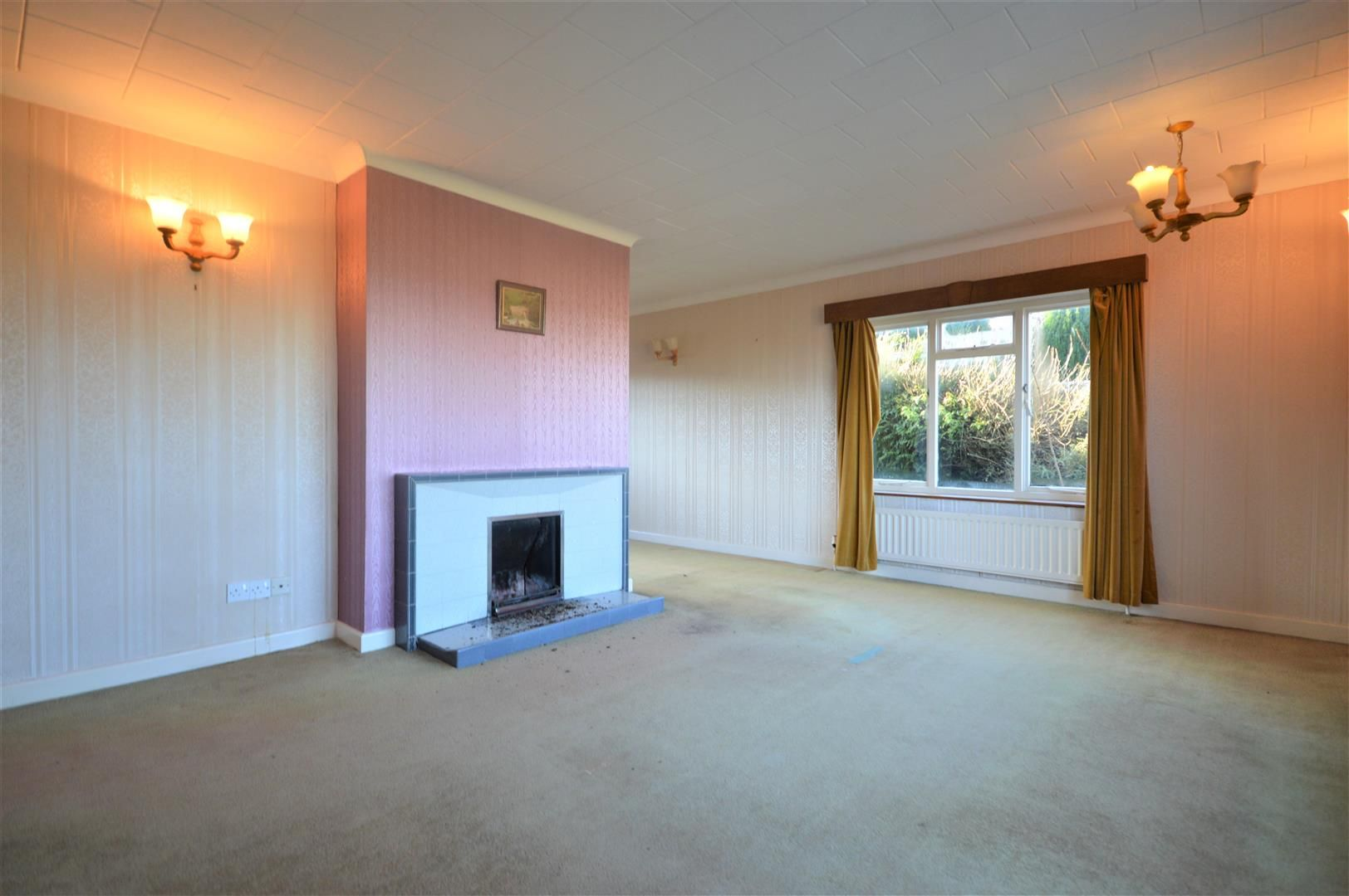3 bed detached-bungalow for sale in Wigmore 2