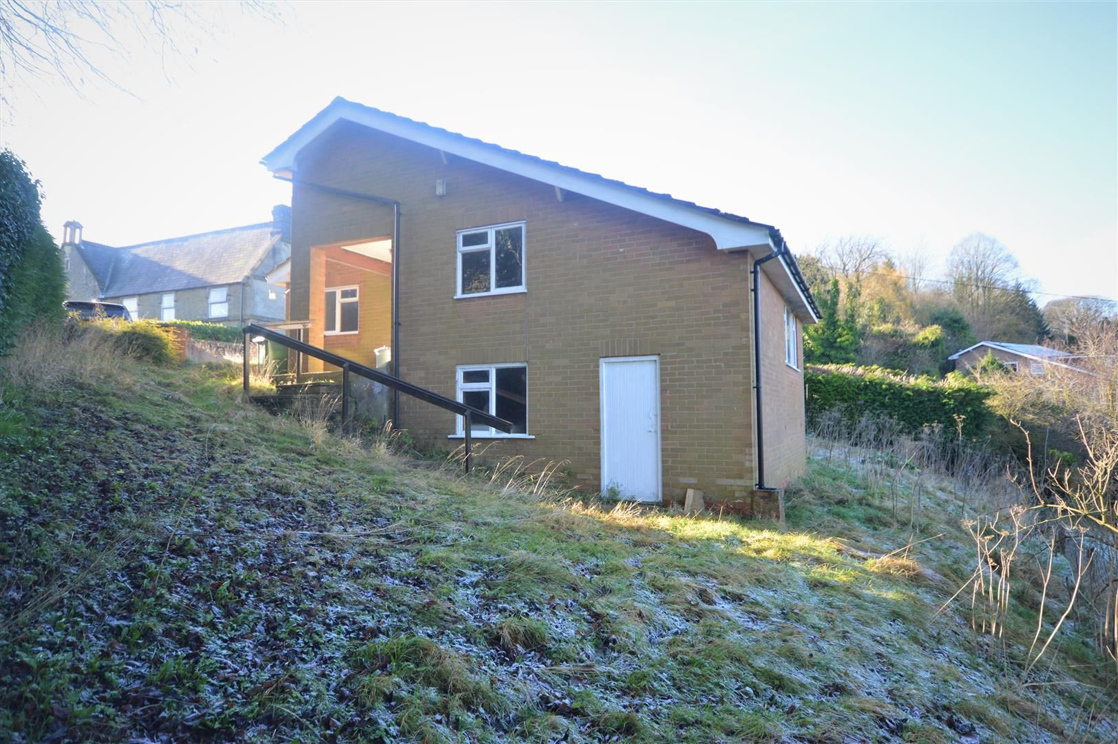 3 bed detached-bungalow for sale in Wigmore 9
