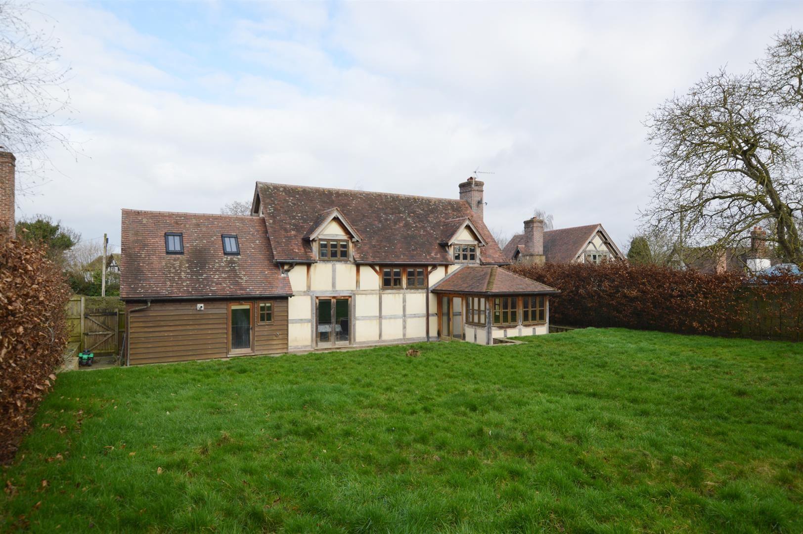 3 bed detached for sale in Pembridge  - Property Image 14