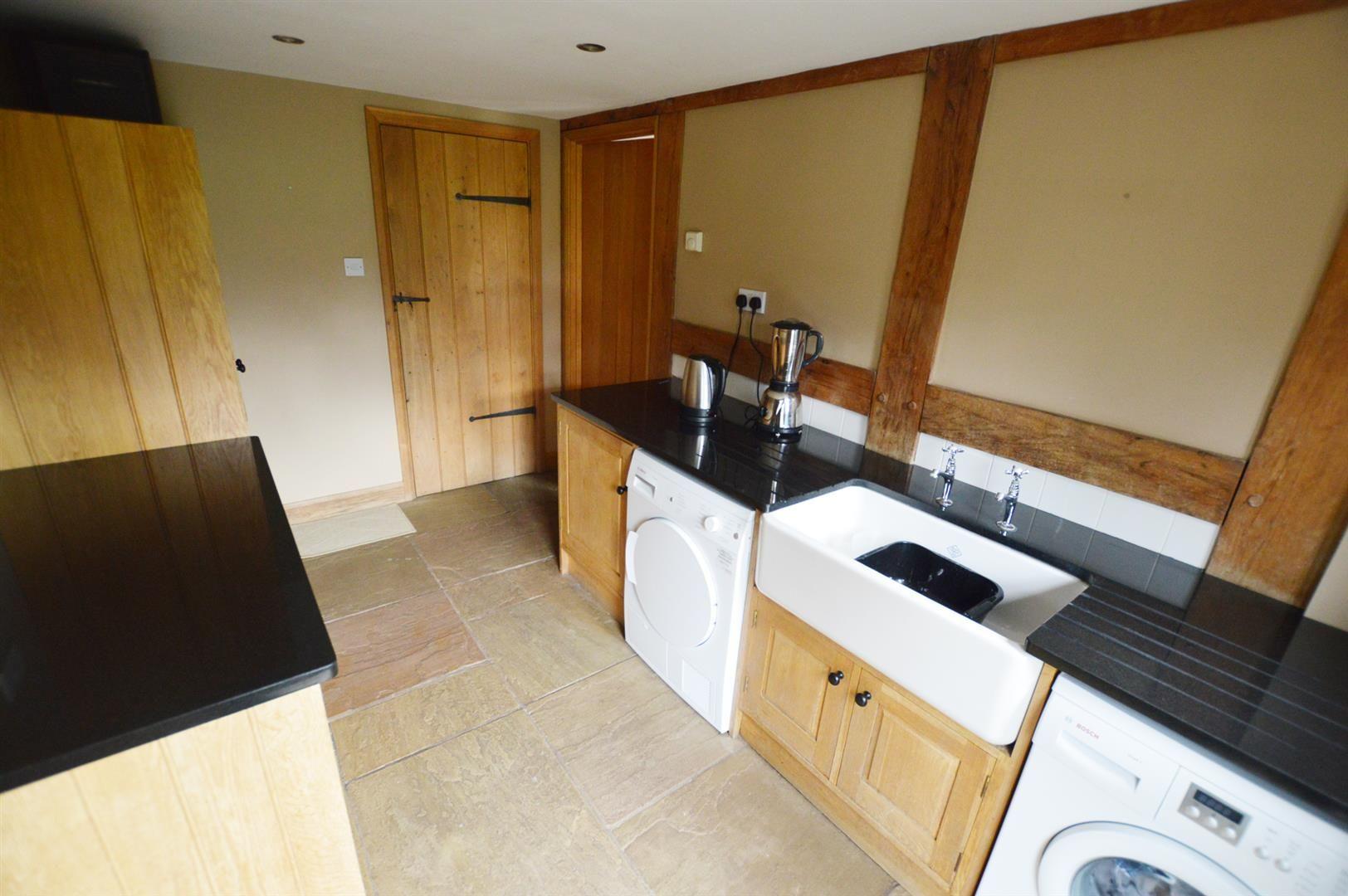 3 bed detached for sale in Pembridge  - Property Image 15