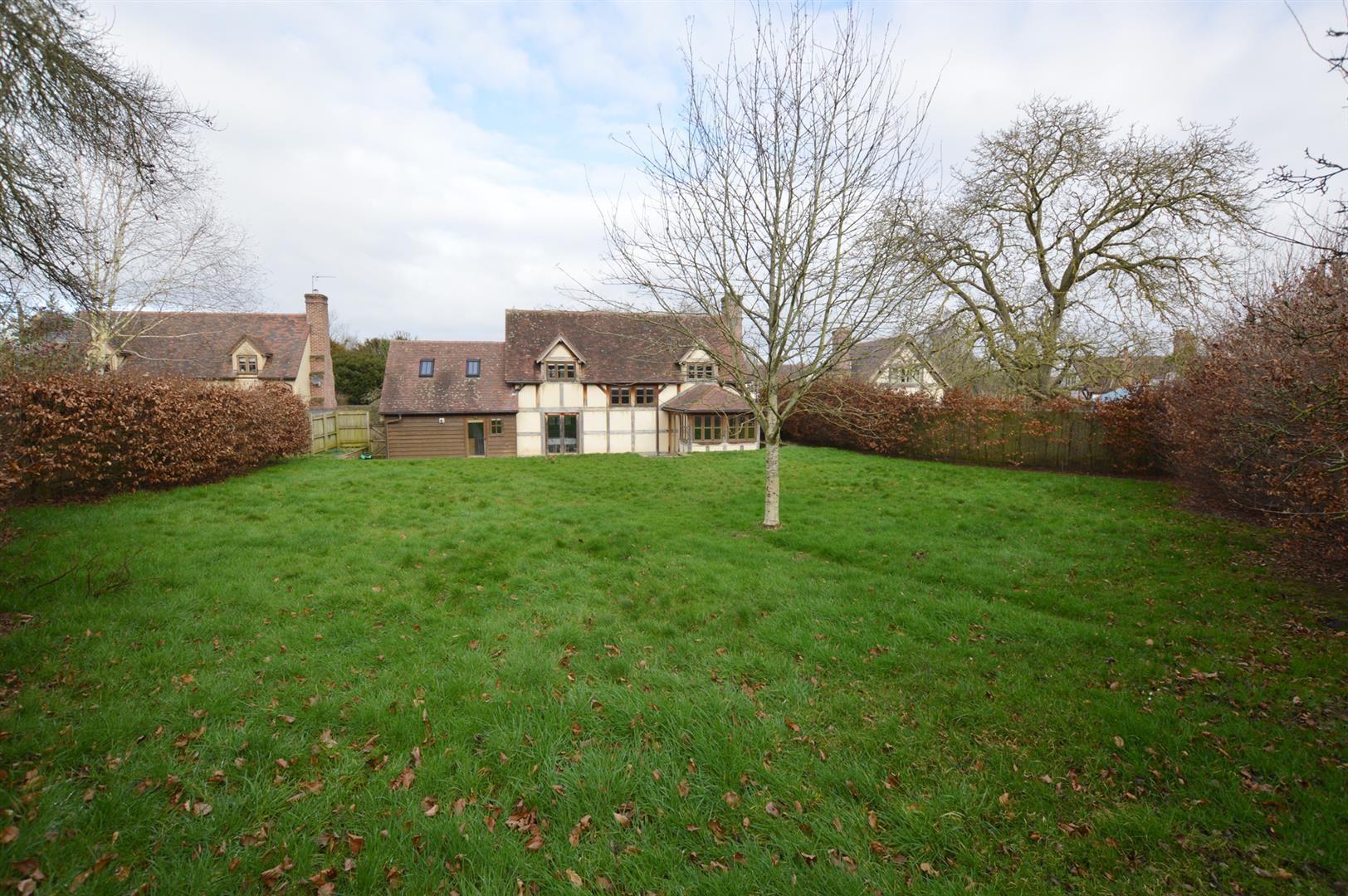 3 bed detached for sale in Pembridge  - Property Image 6