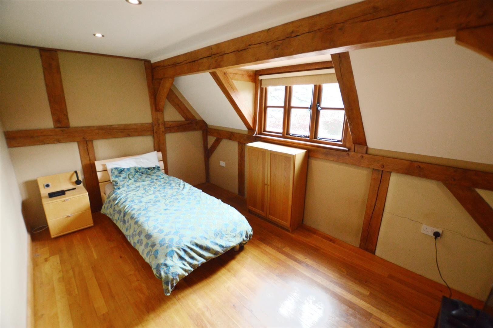 3 bed detached for sale in Pembridge 9