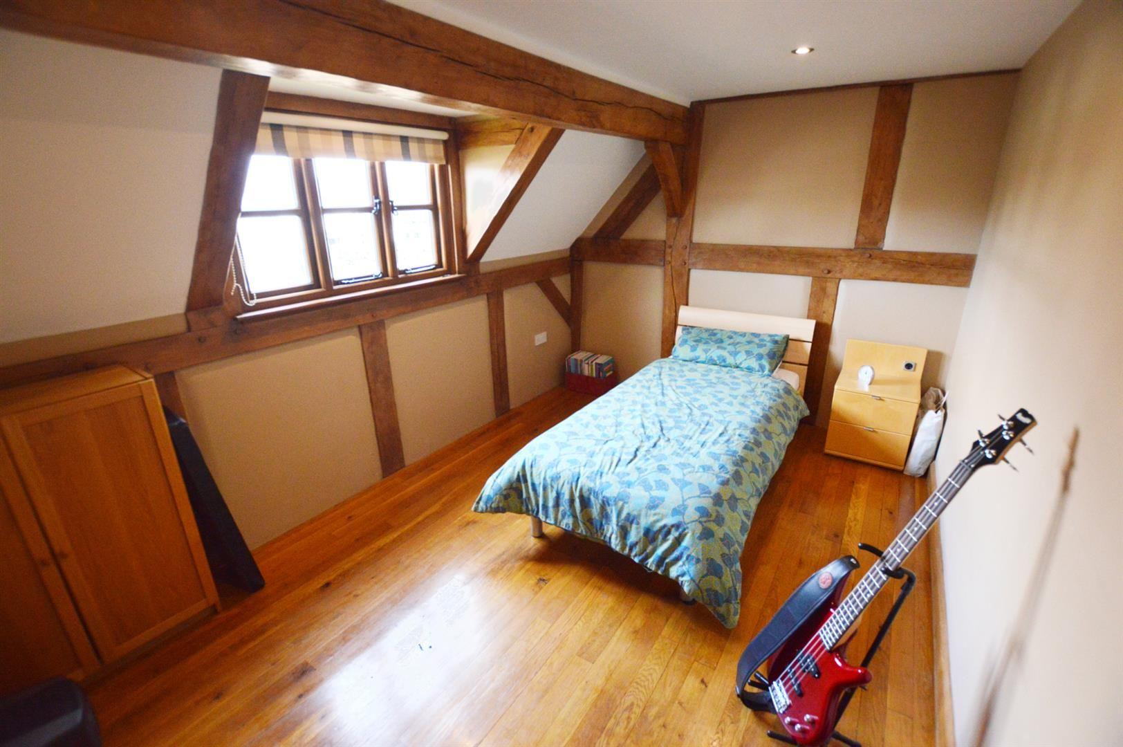 3 bed detached for sale in Pembridge 10