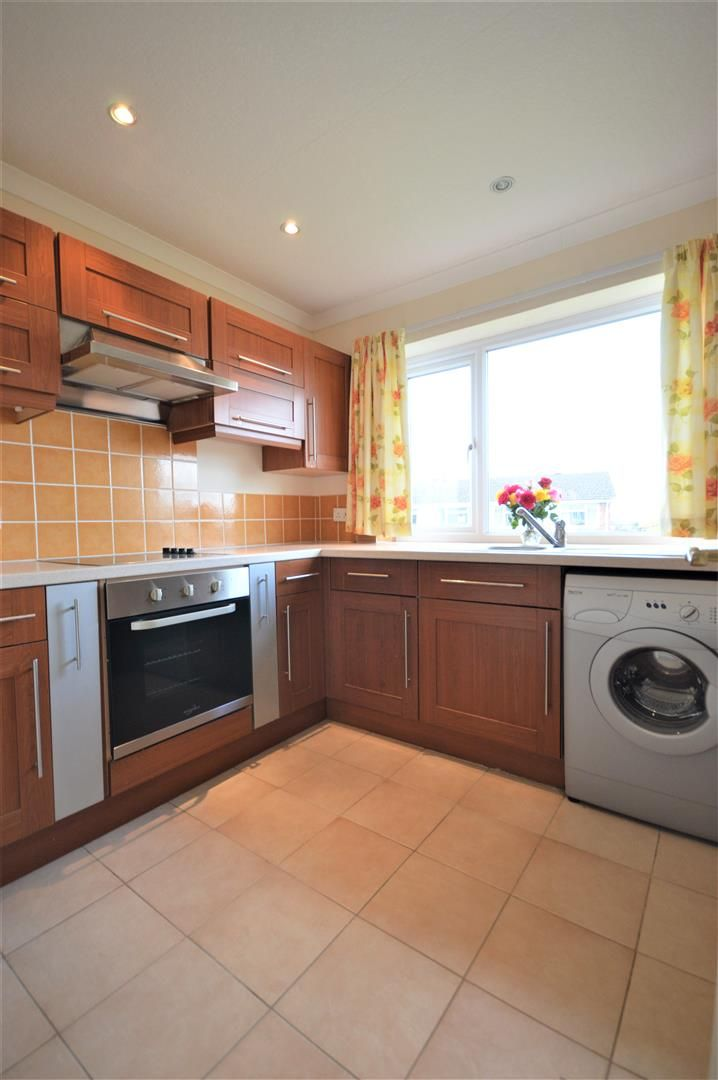 2 bed detached bungalow for sale in Leominster 3