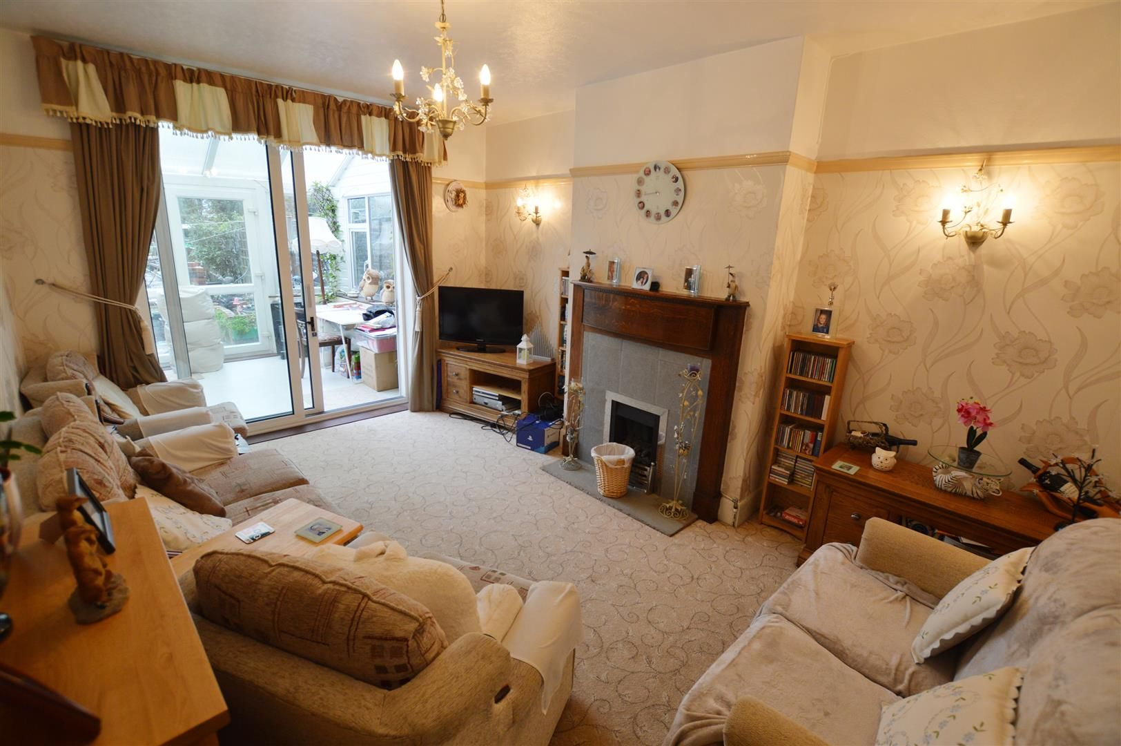 3 bed semi-detached for sale in Leominster 4